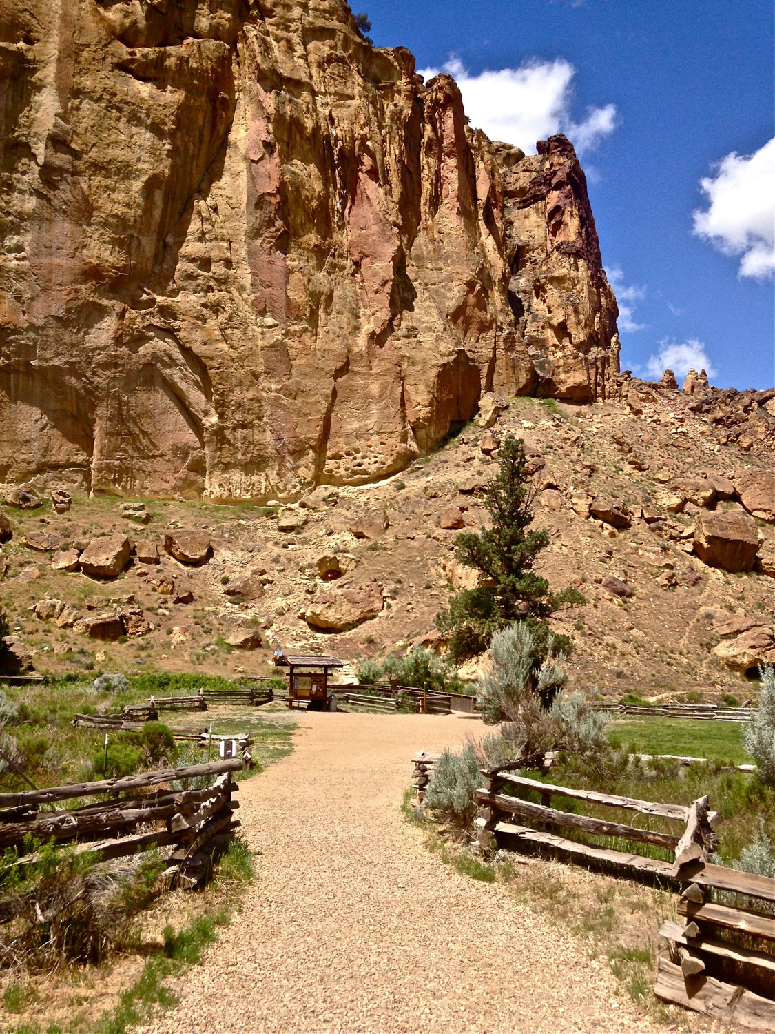 The Chute Trail ends after it joins up with the Canyon Trail just before the bridge crossing the Crooked River Trail at Smith Rock State Park.