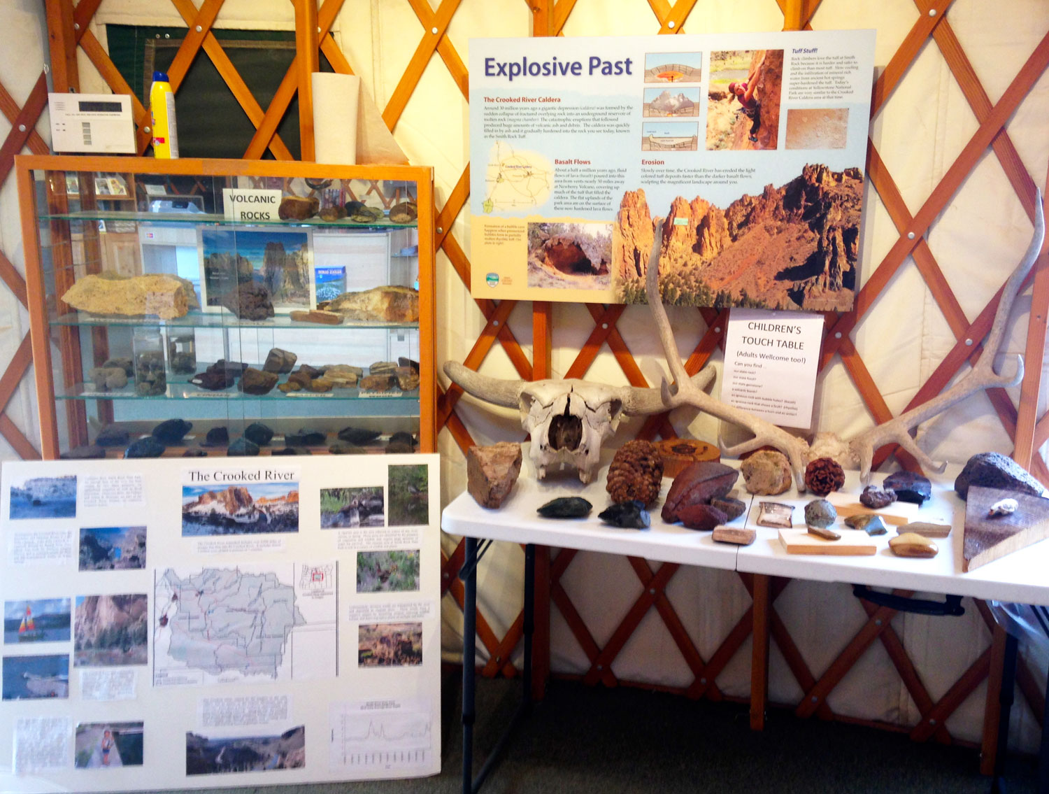 Smith Rock State Park Welcome Center  Geology  Exhibit