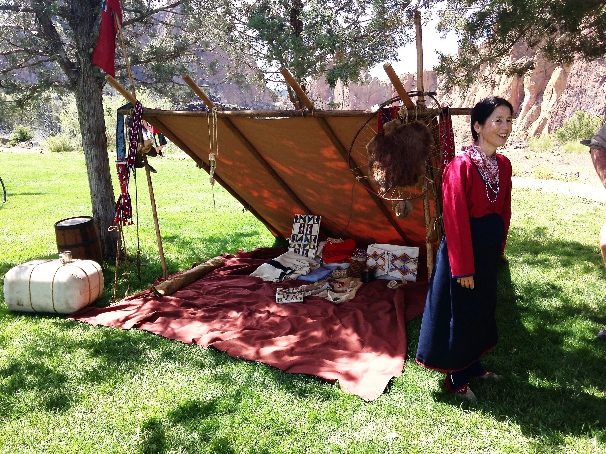 Indian wife of trapper reenactor at Smith Rock State Park