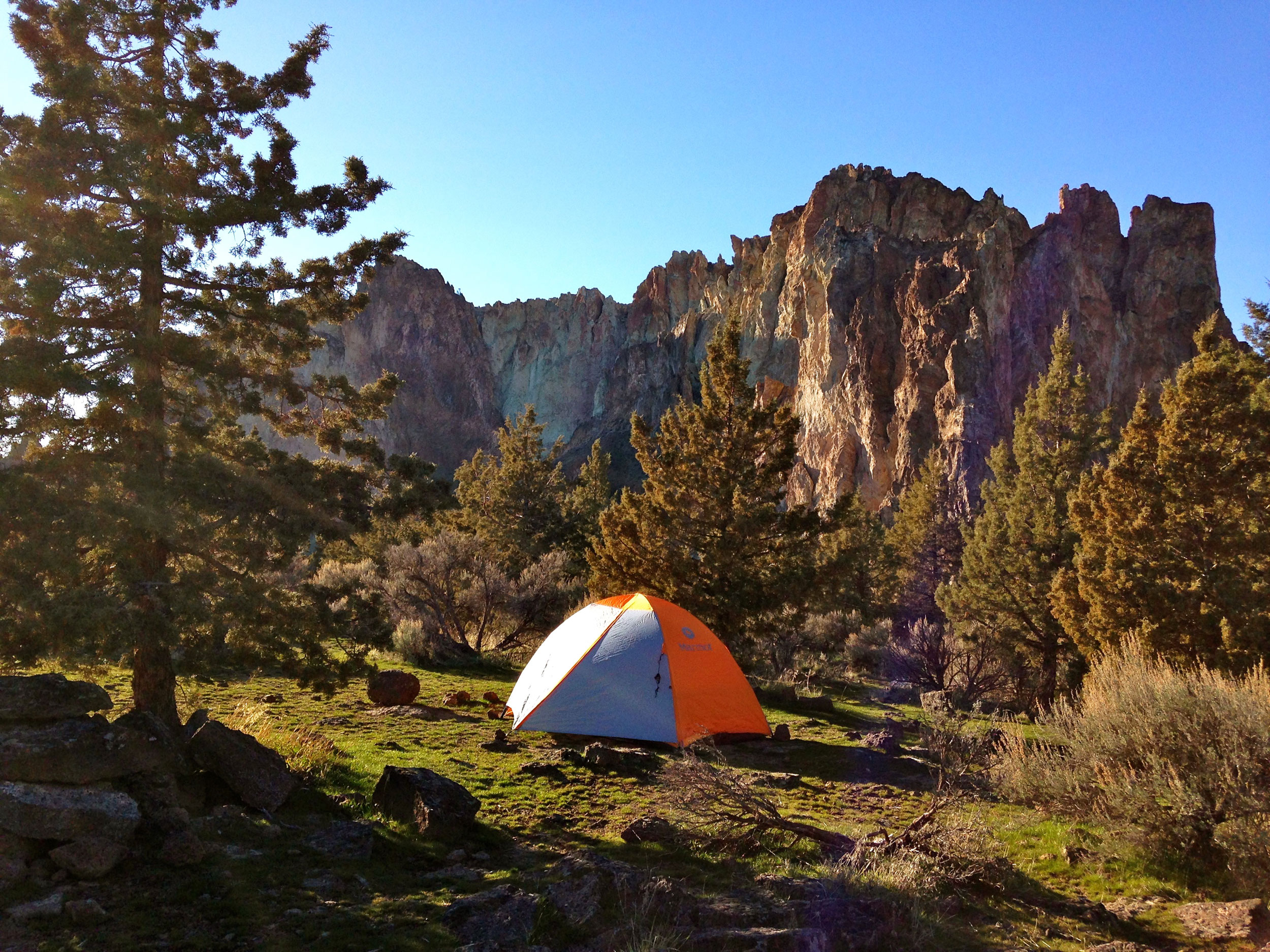 tent by the rimrock overlooking the river gorge at the Bivy campground at Smith Rock State Park