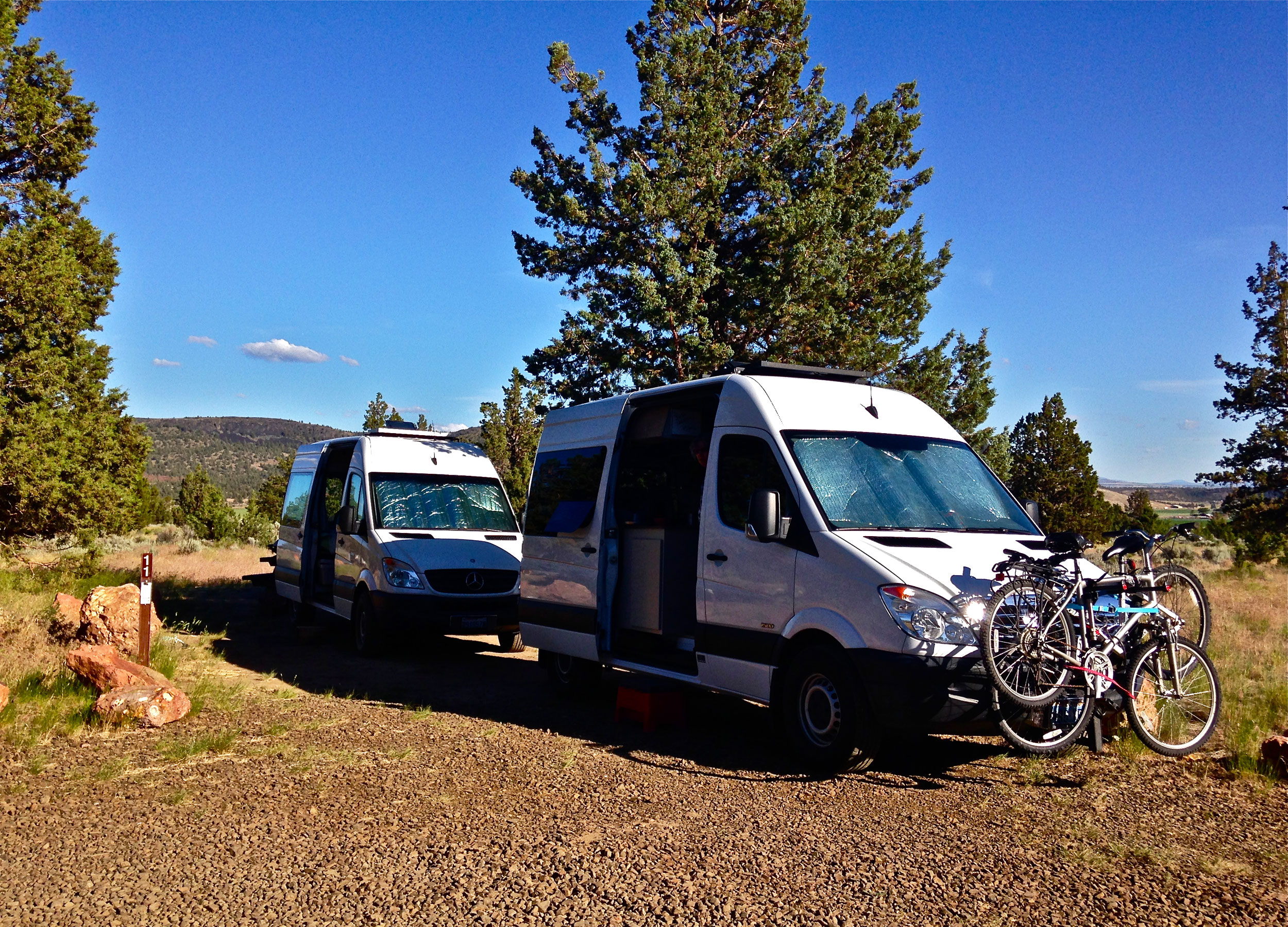 a double site that allows 2 vehicles at Skull Hollow Campground