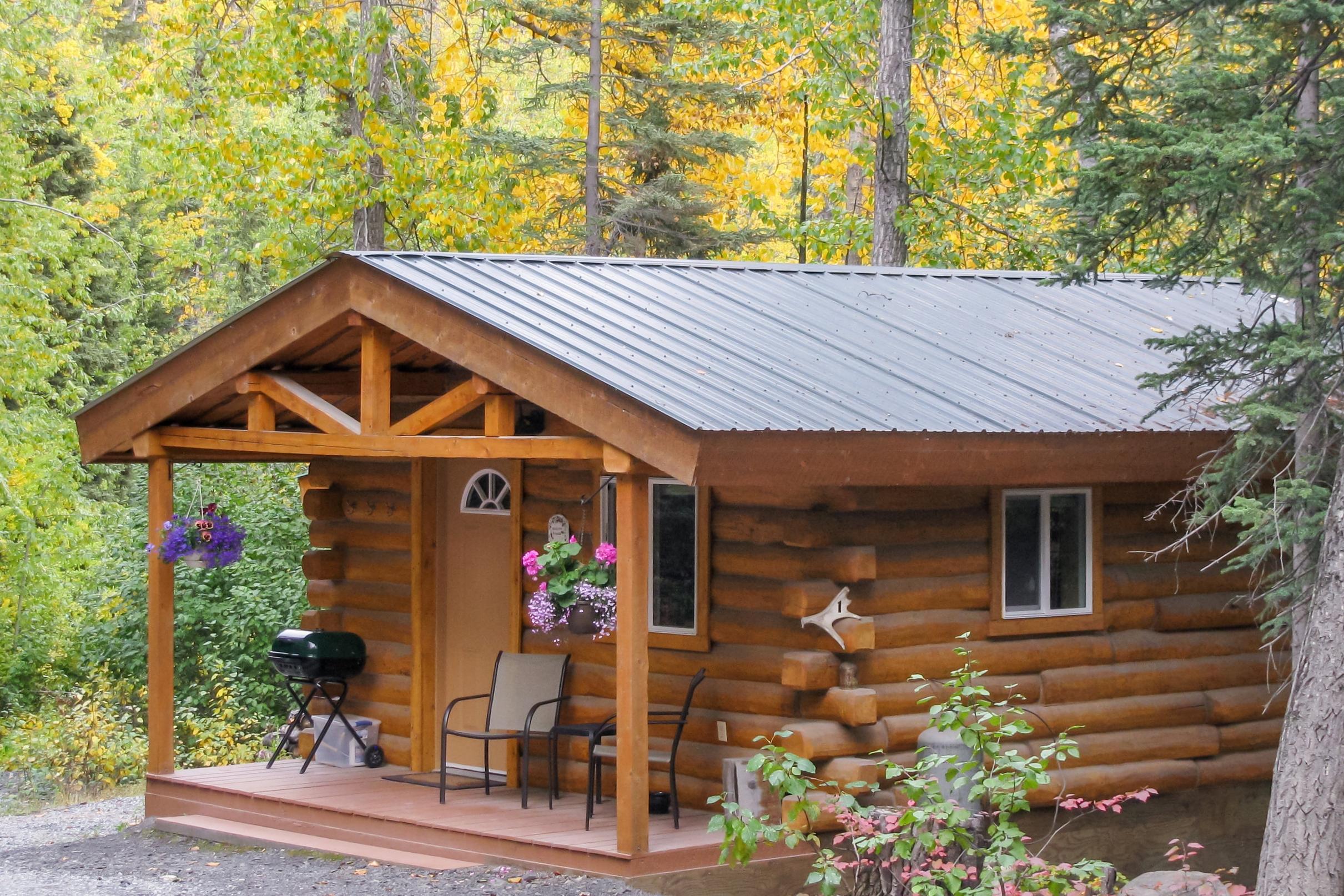 Homestead Guest Cabins cozy Spruce Ridge Cabin #1