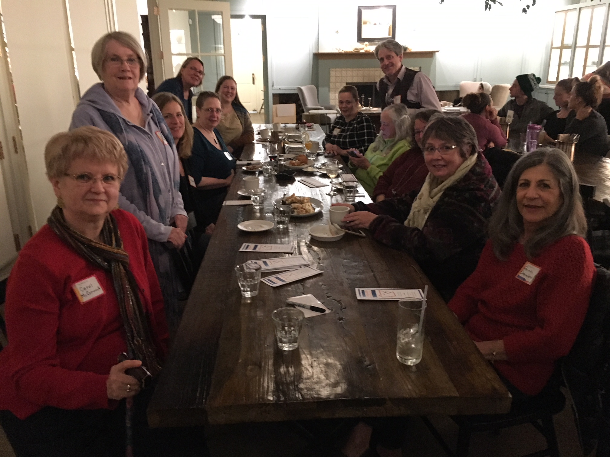 - November 14, 2017:SAM members gathered at The Lynhall for conversation and conviviality. Watch for more social get-togethers in coming months!