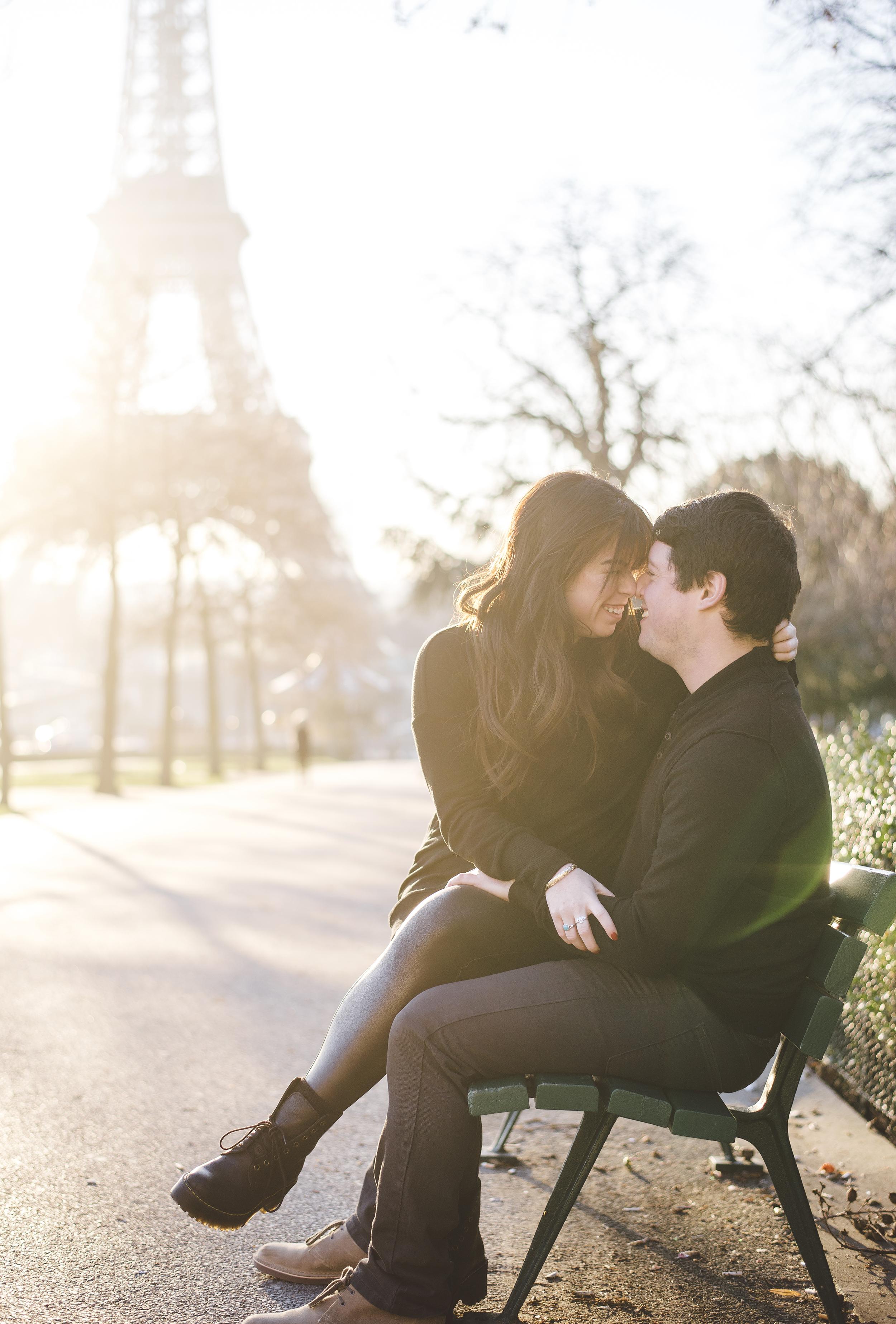 Anniversary-photoshoot-Paris-Trocadero-EiffelTower-Cafe-019.jpg