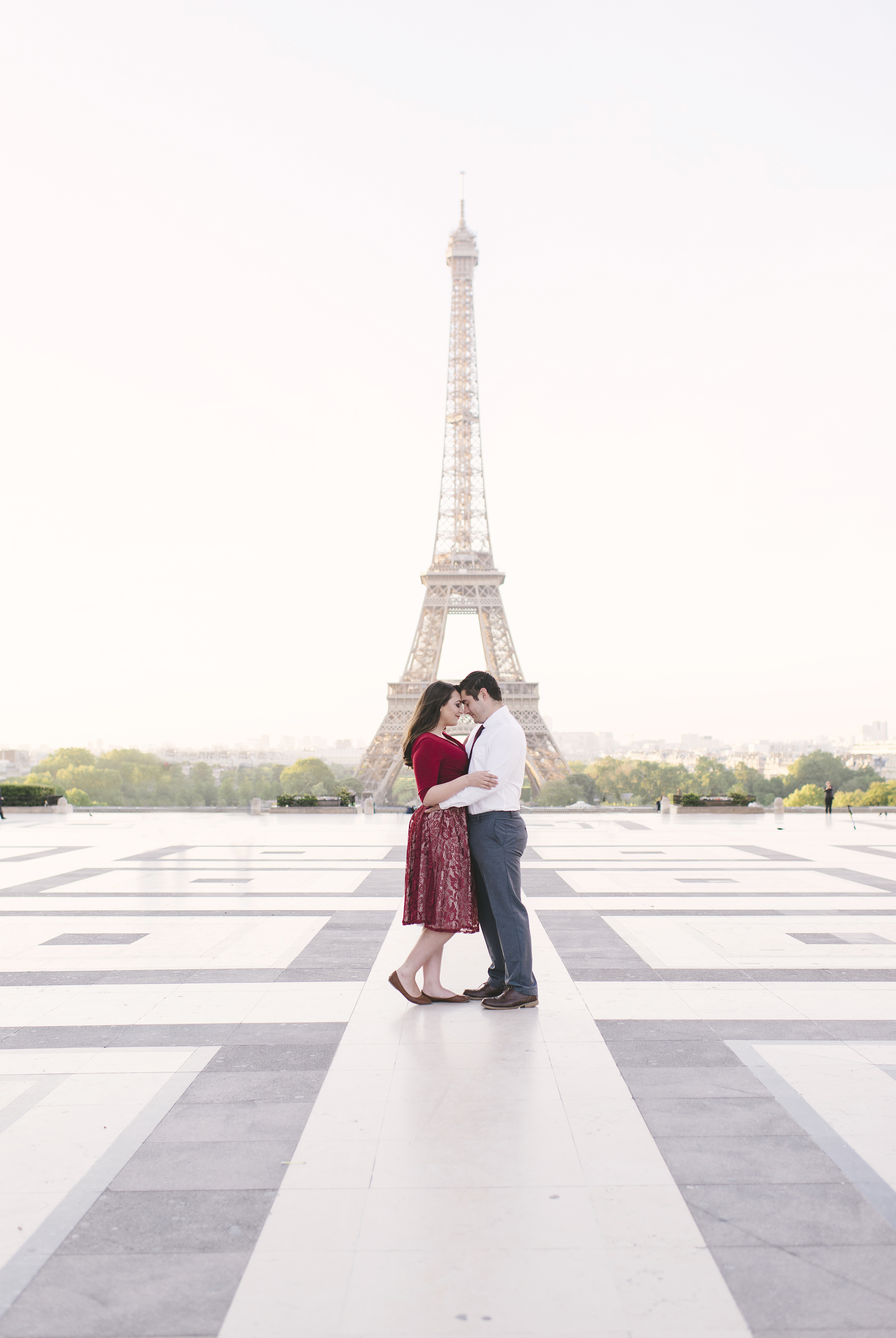 Couple-photoshoot-Anniversary-Paris-Eiffel-Tower-Trocadero011.jpg