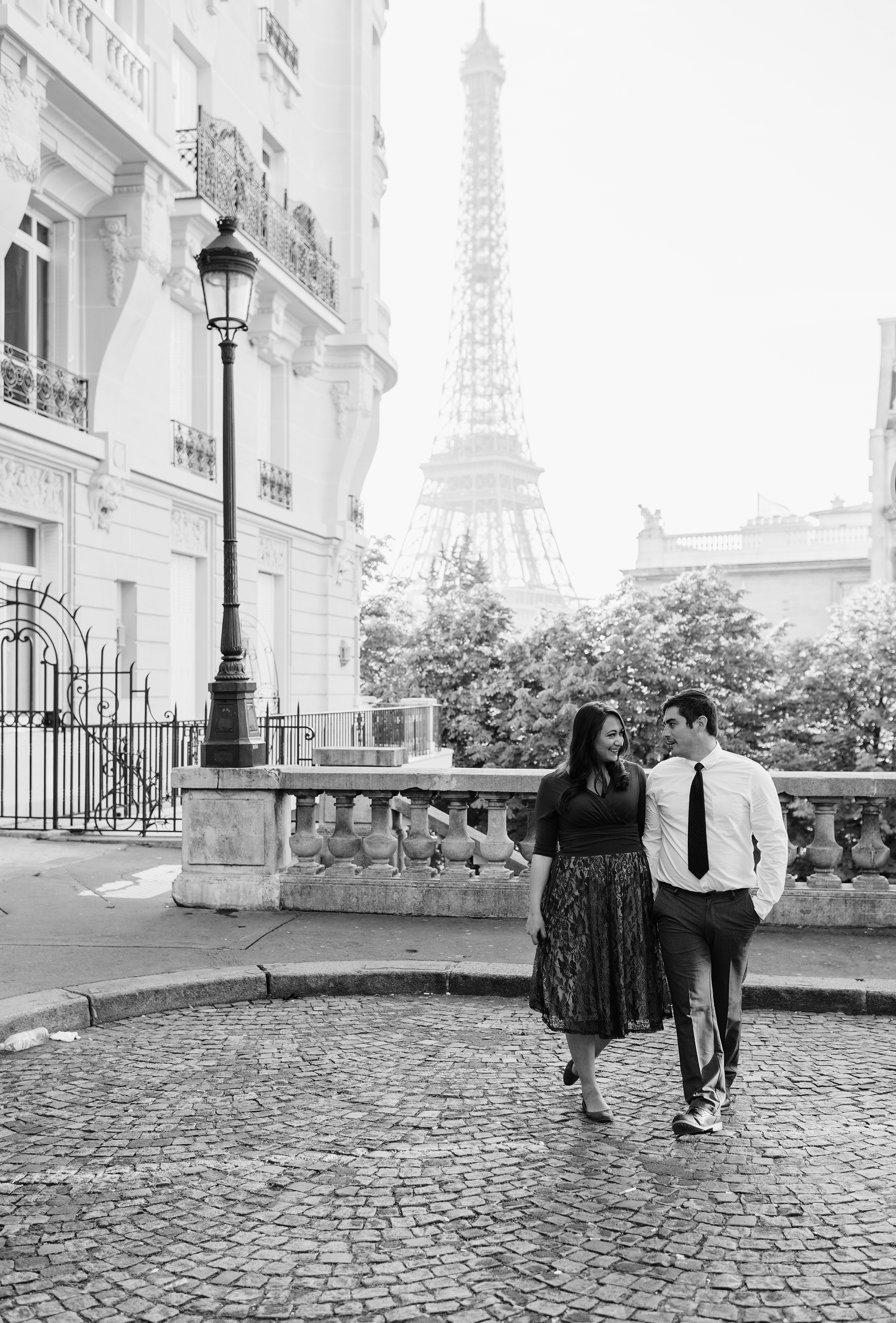 Couple-photoshoot-Anniversary-Paris-Eiffel-Tower-Trocadero096.jpg