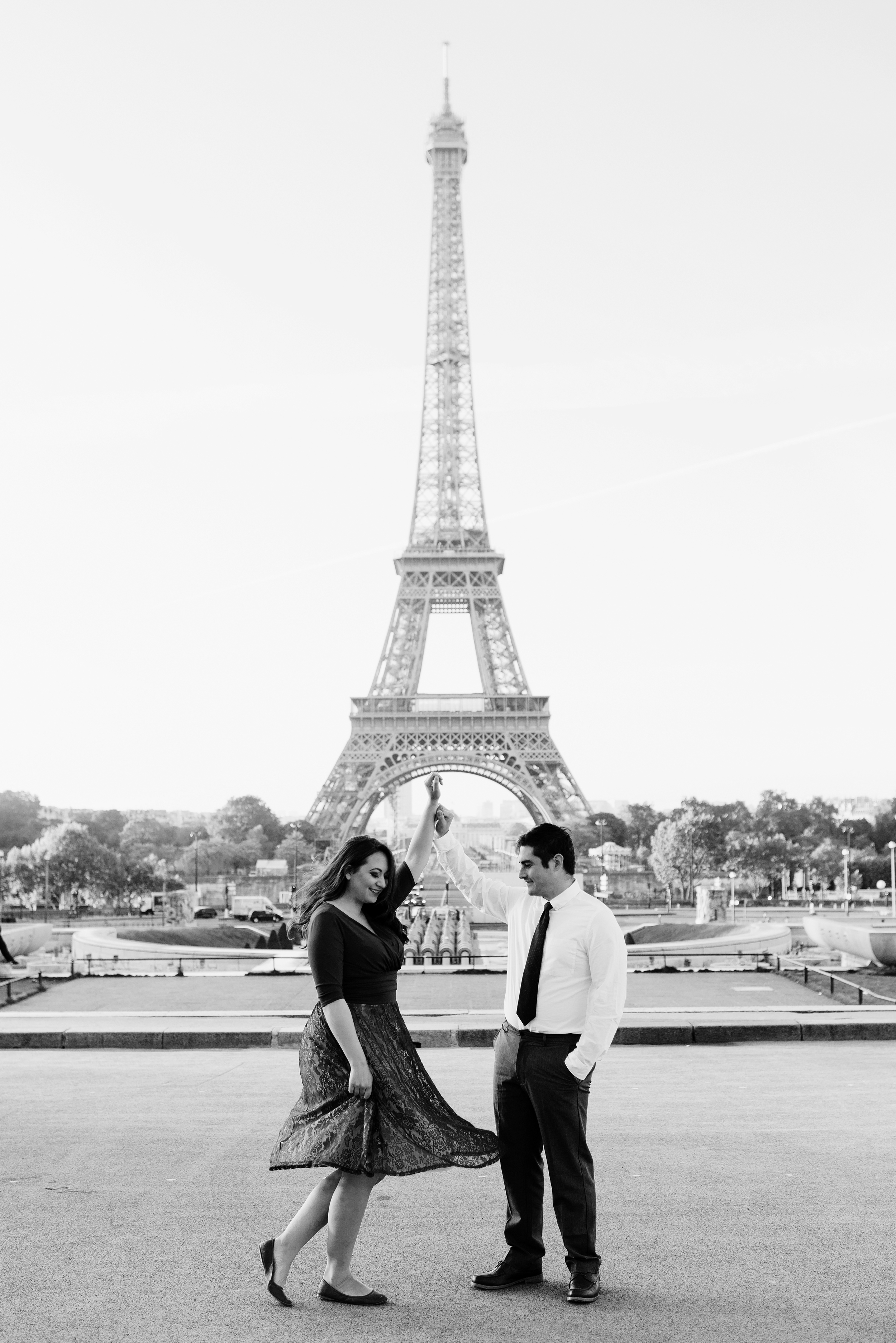Couple-photoshoot-Anniversary-Paris-Eiffel-Tower-Trocadero050.jpg