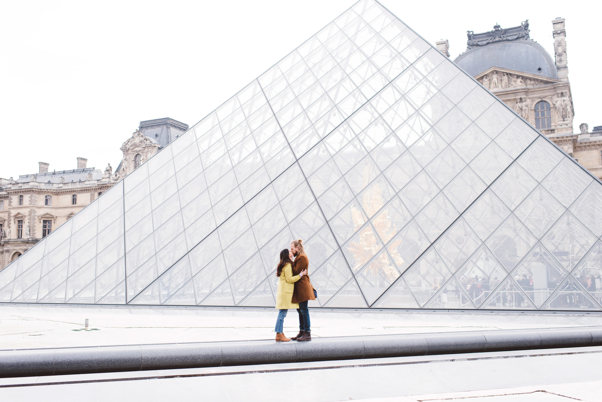 Couple-portrait-session-Paris-Louvre-PalaisRoyal-Seine024.jpg