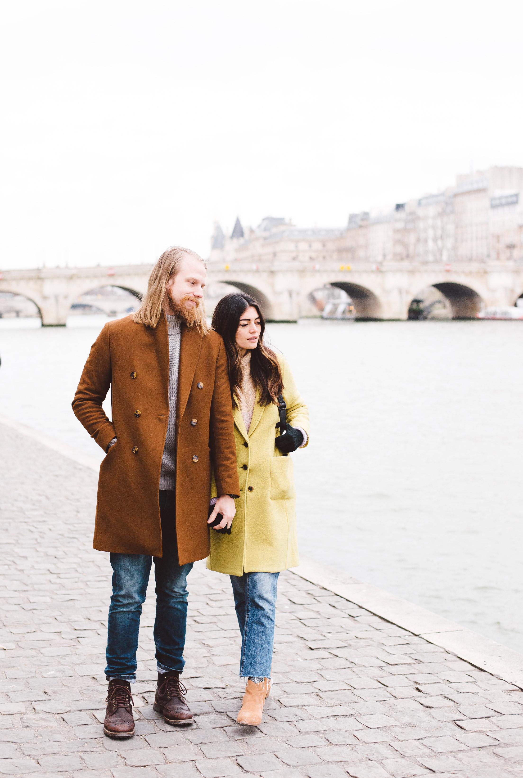 Couple-portrait-session-Paris-Louvre-PalaisRoyal-Seine059.jpg