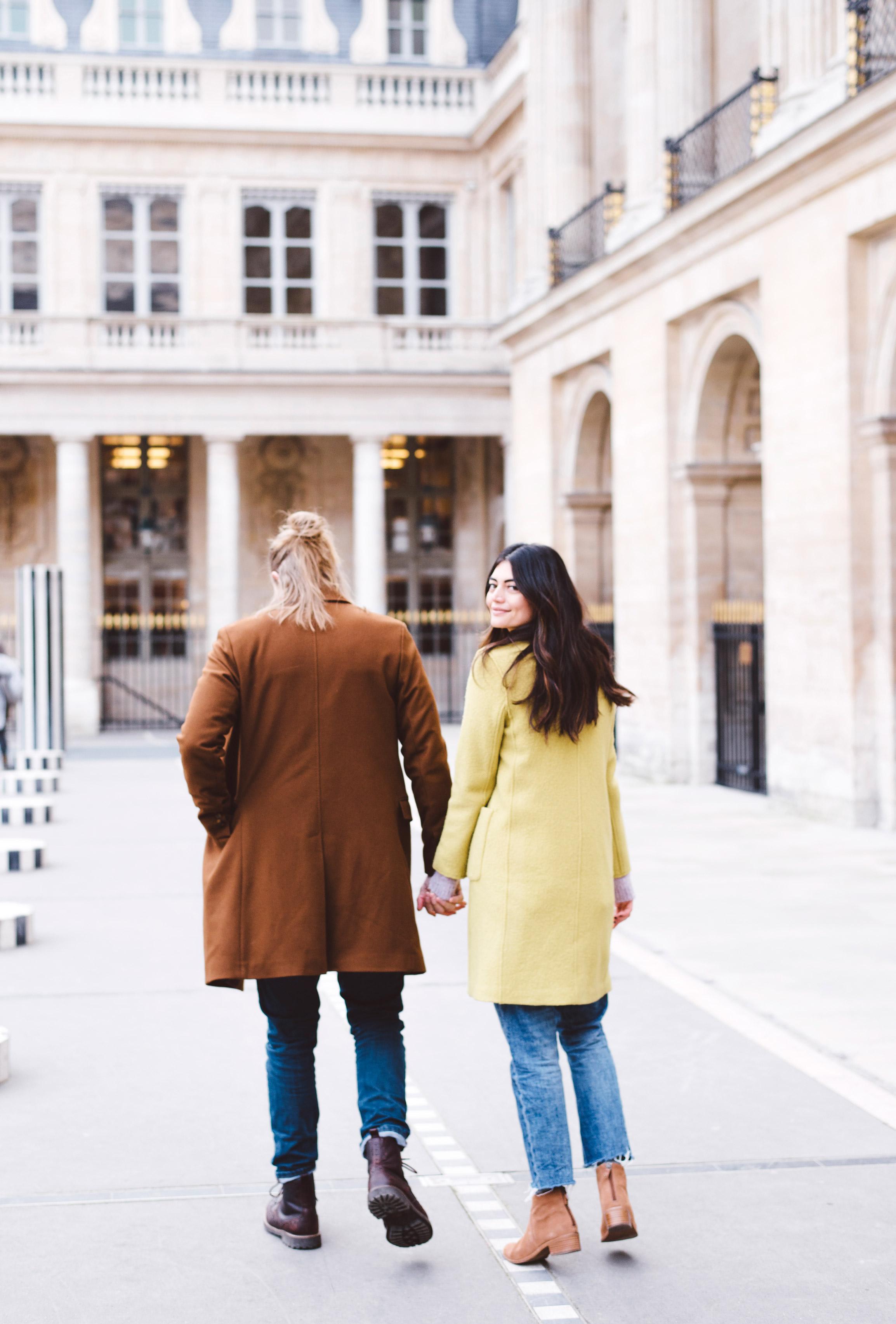 Couple-portrait-session-Paris-Louvre-PalaisRoyal-Seine011.jpg