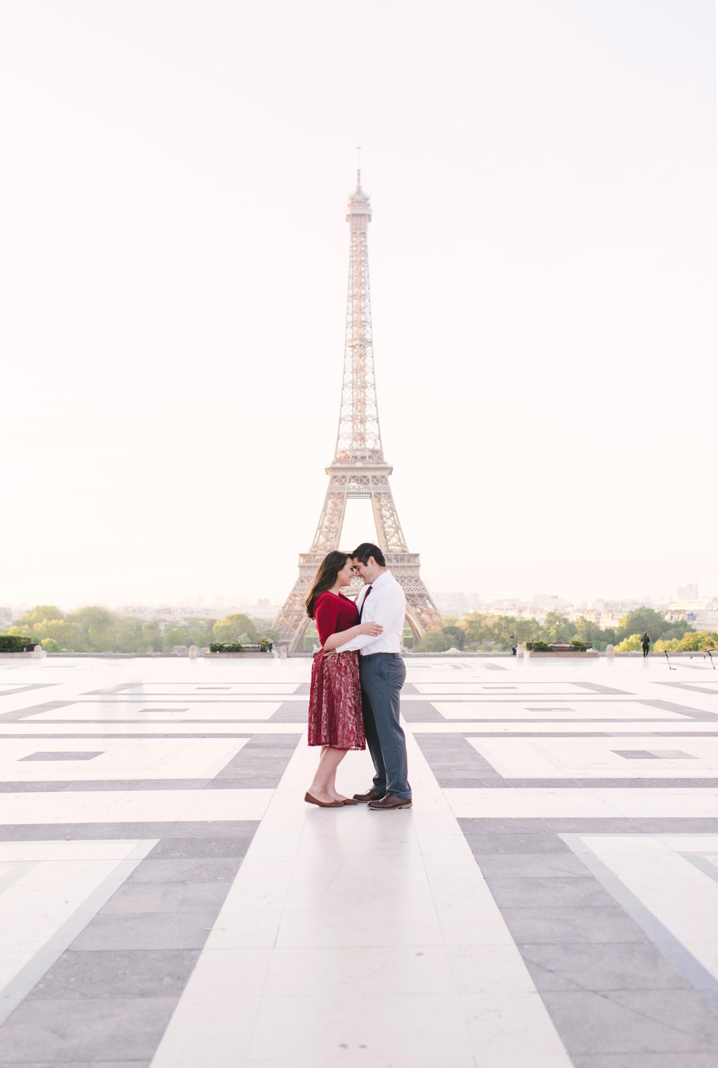 Couple-photoshoot-Anniversary-Paris-Eiffel-Tower-Trocadero009.jpg