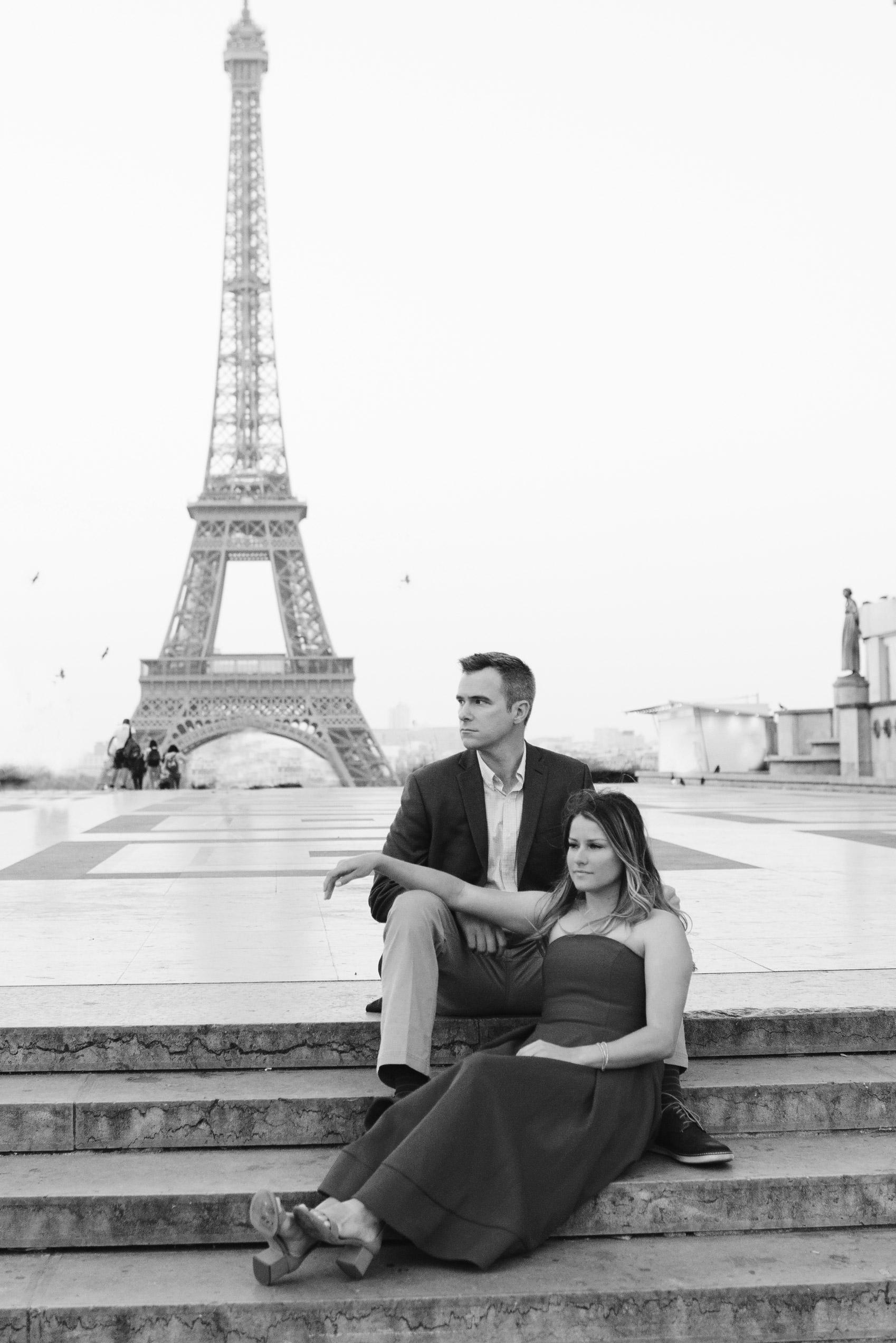 Couple-portrait-session-Paris-EiffelTower-Seine-Cafe002.jpg