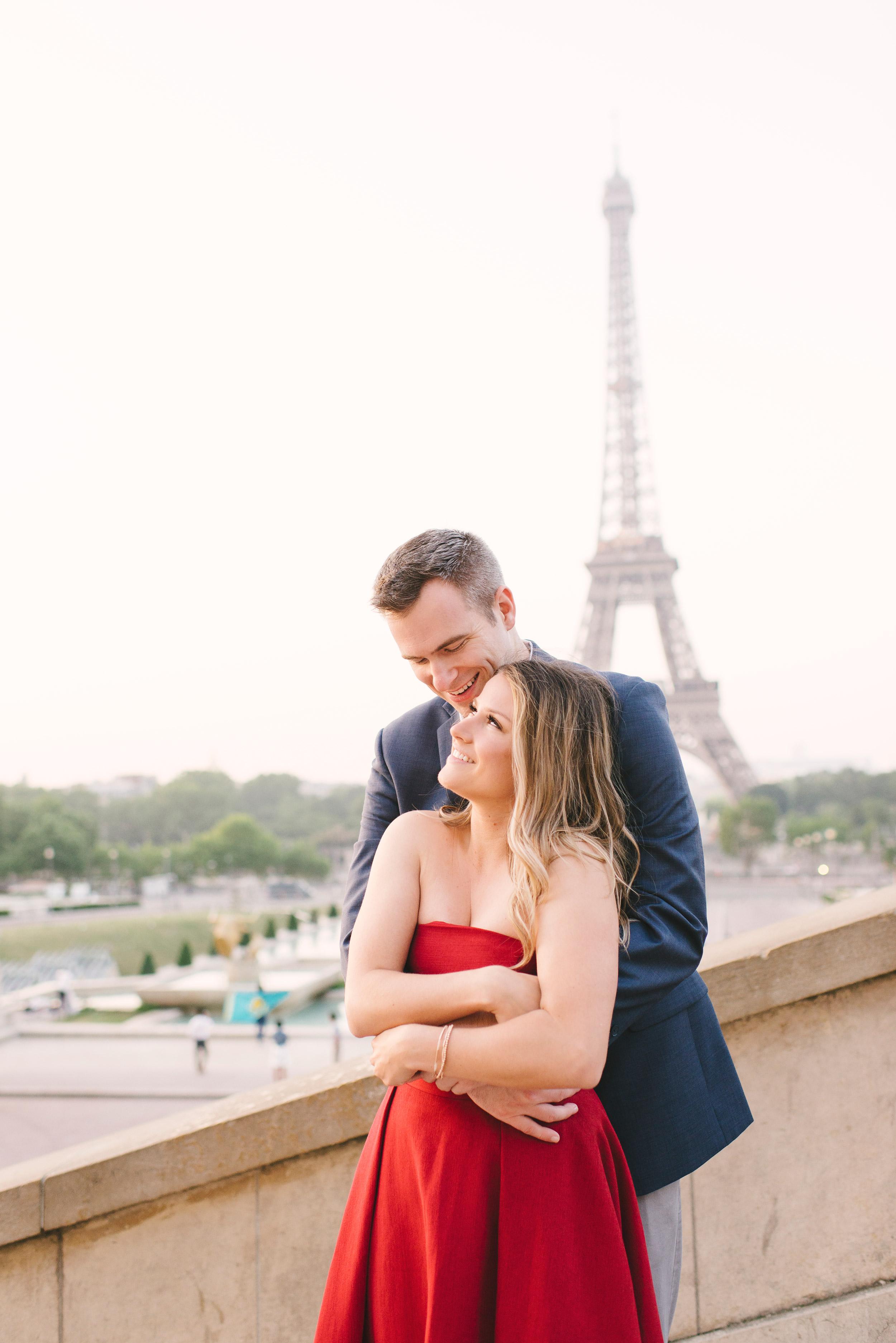 Couple-portrait-session-Paris-EiffelTower-Seine-Cafe029.jpg