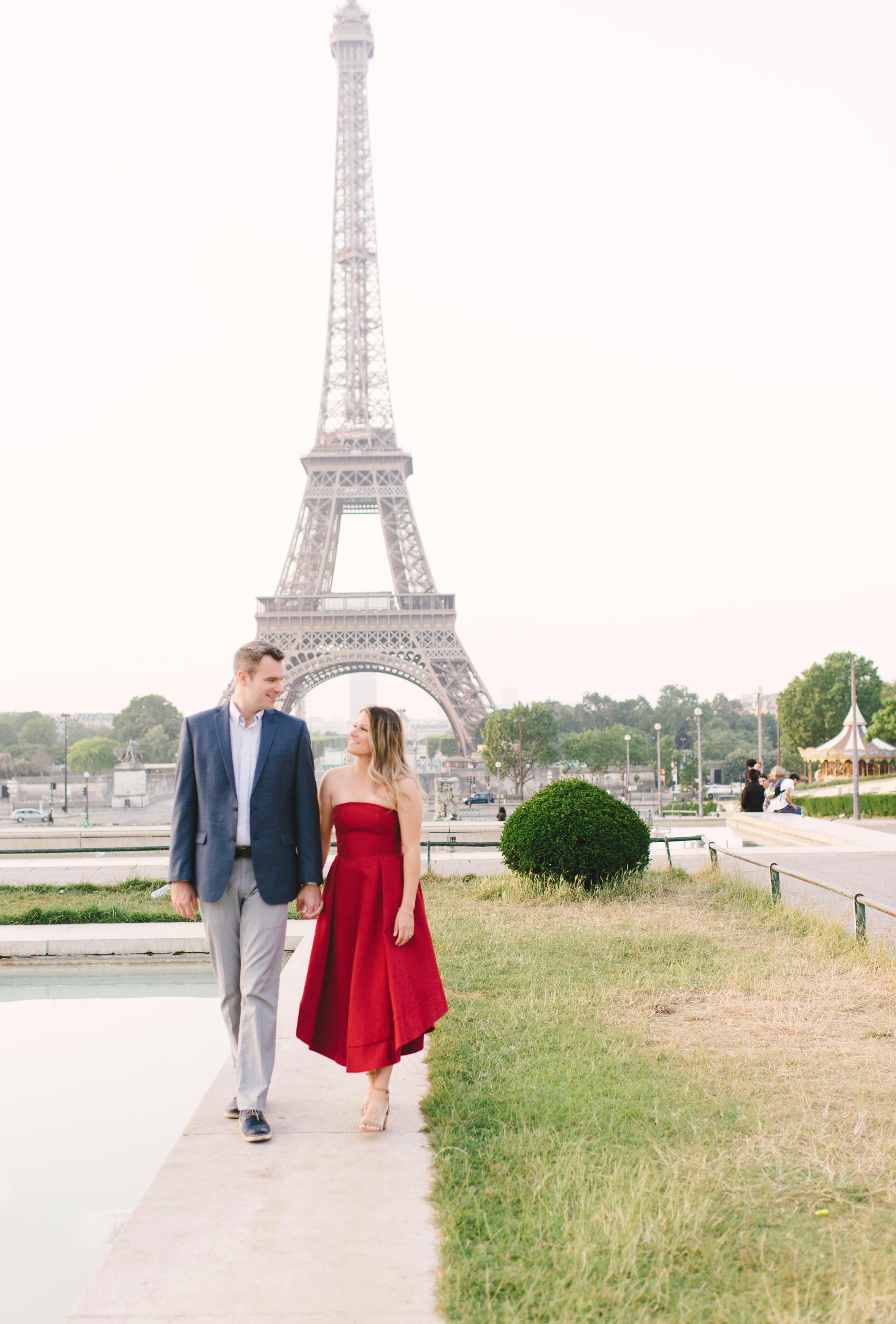 Couple-portrait-session-Paris-EiffelTower-Seine-Cafe041.jpg