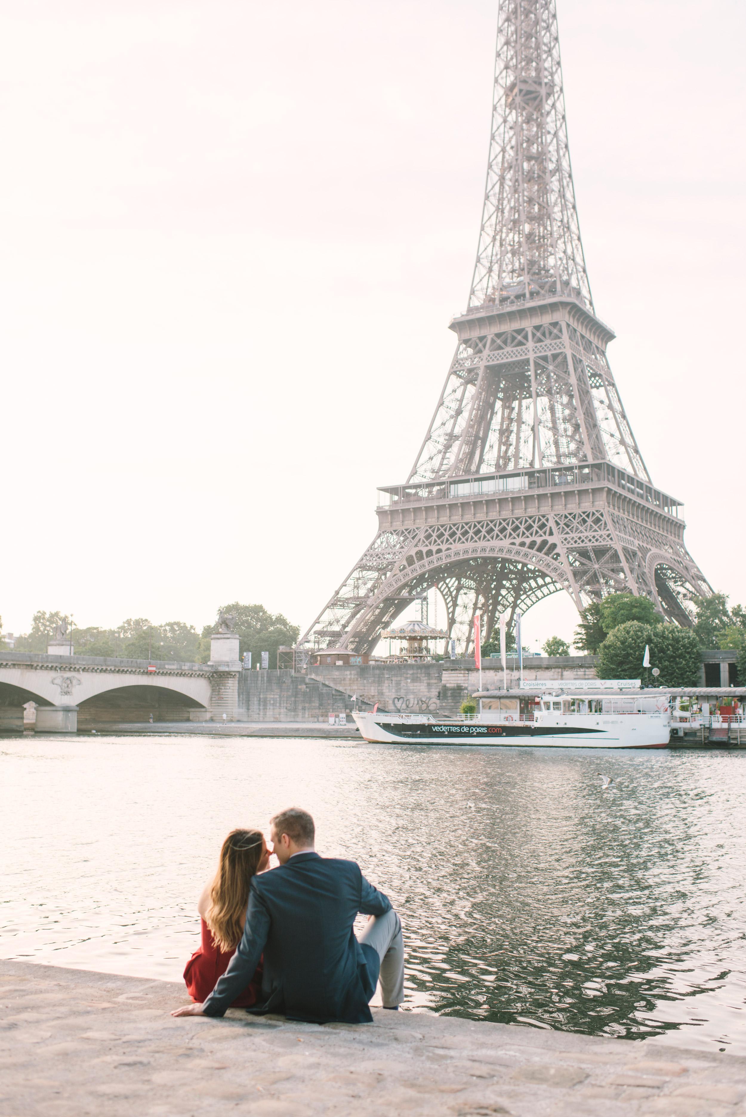 Couple-portrait-session-Paris-EiffelTower-Seine-Cafe066.jpg