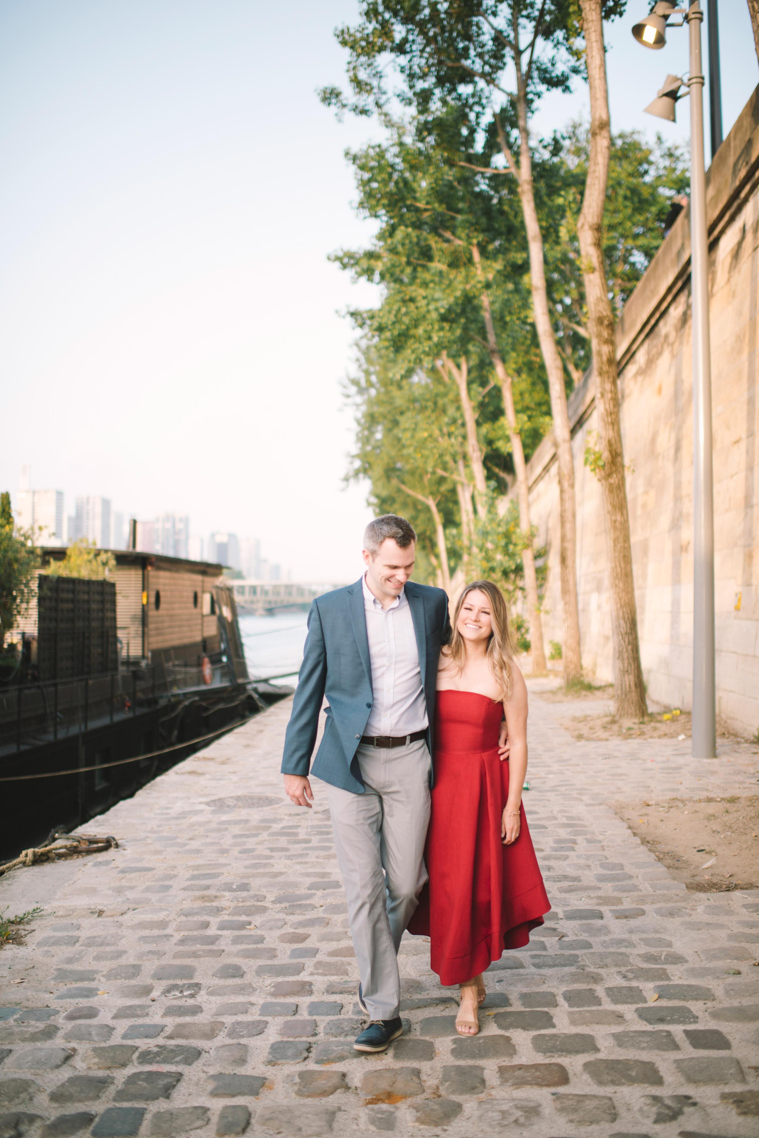 Couple-portrait-session-Paris-EiffelTower-Seine-Cafe100.jpg