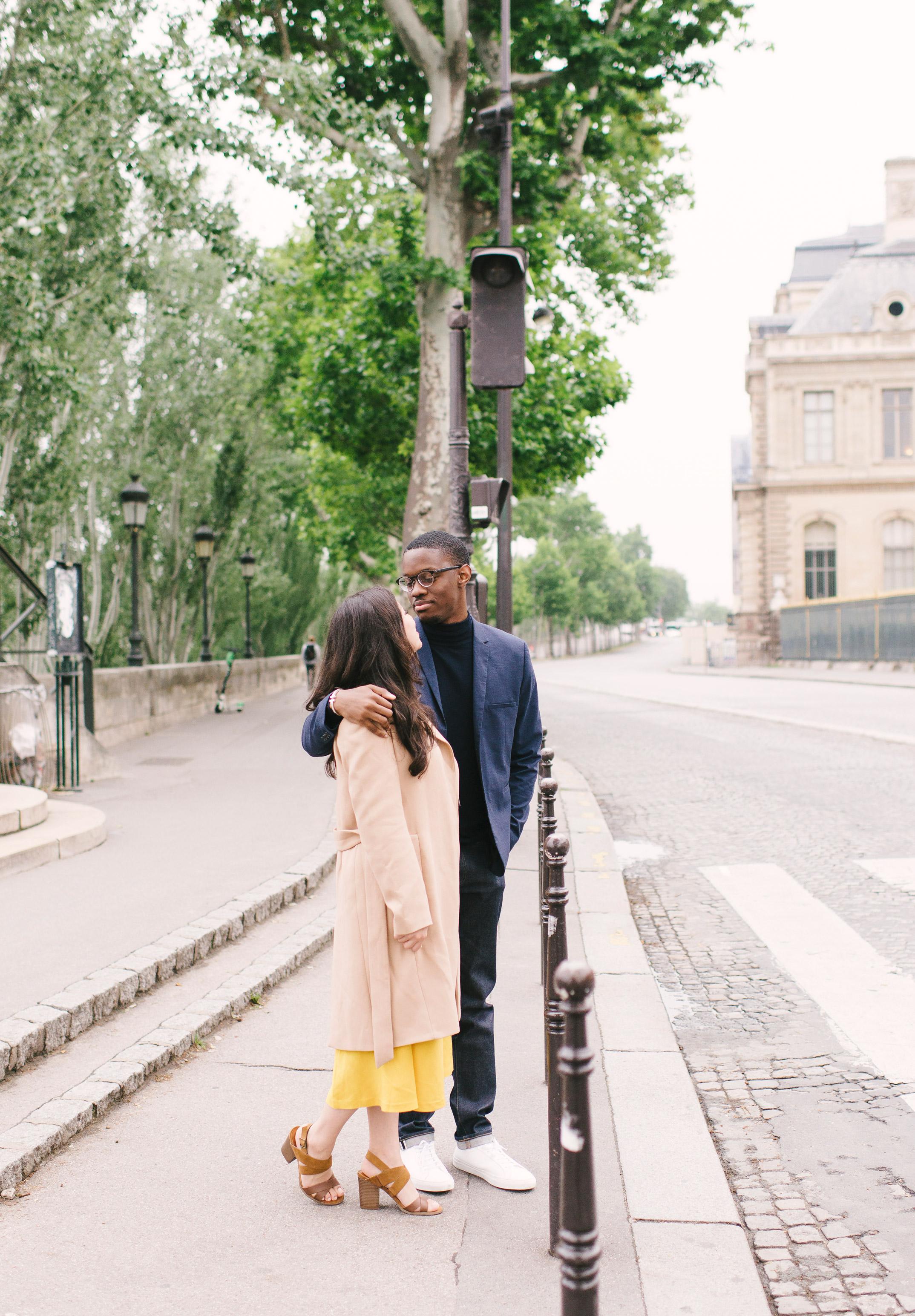 Couple-photoshoot-Paris-Pont-des-arts-Louvre-PalaisRoyale-039.jpg