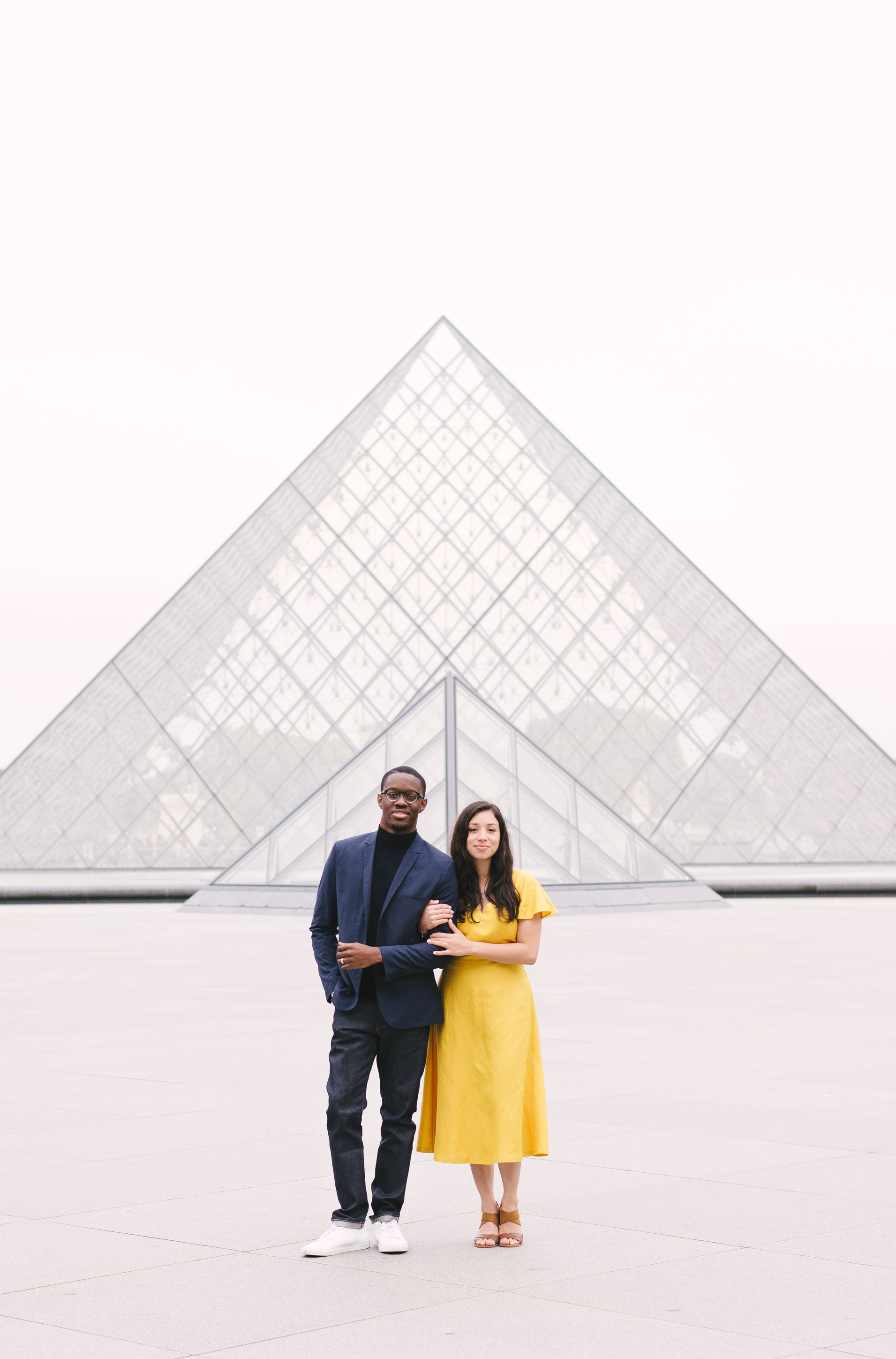Couple-photoshoot-Paris-Pont-des-arts-Louvre-PalaisRoyale-068.jpg