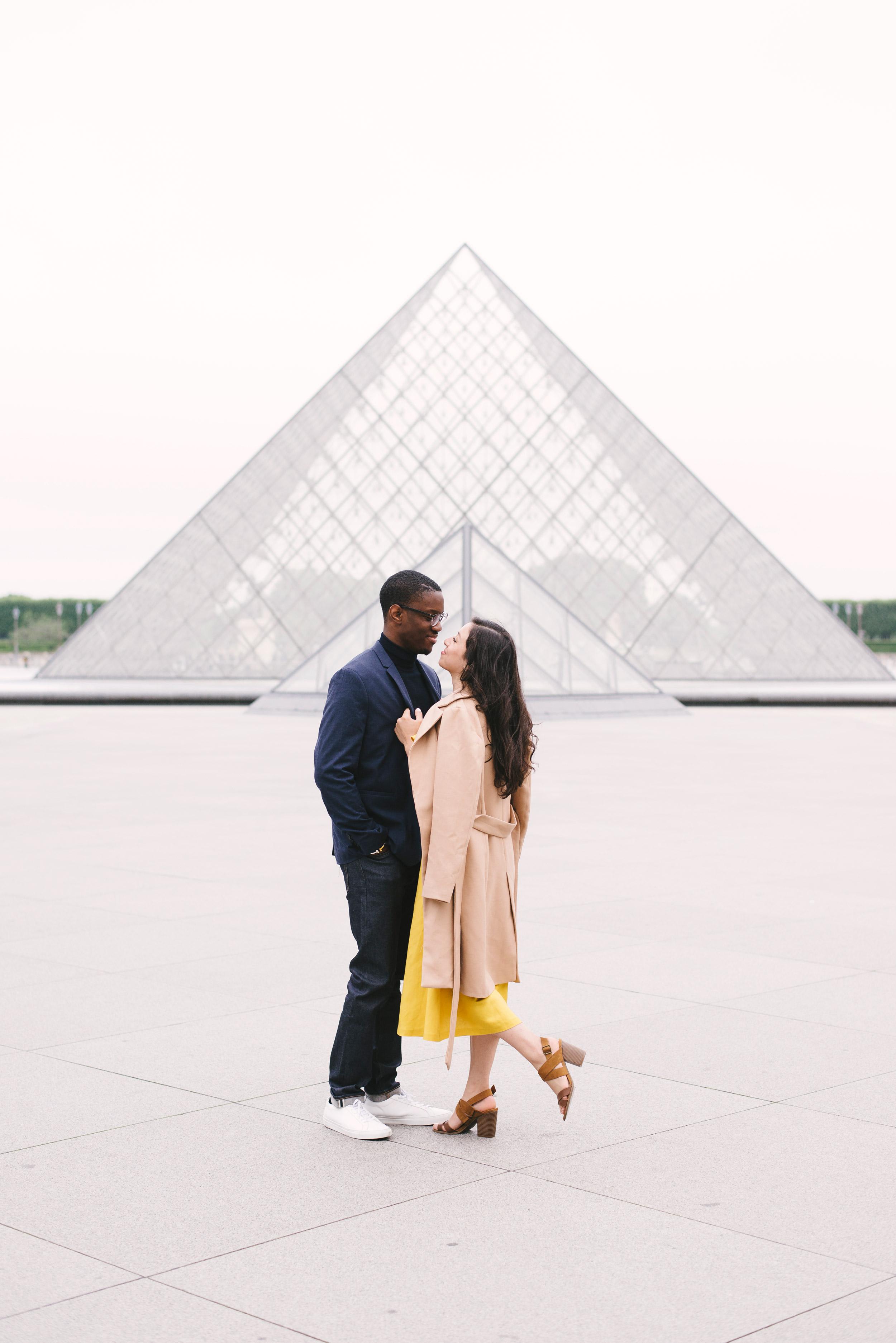 Couple-photoshoot-Paris-Pont-des-arts-Louvre-PalaisRoyale-070.jpg