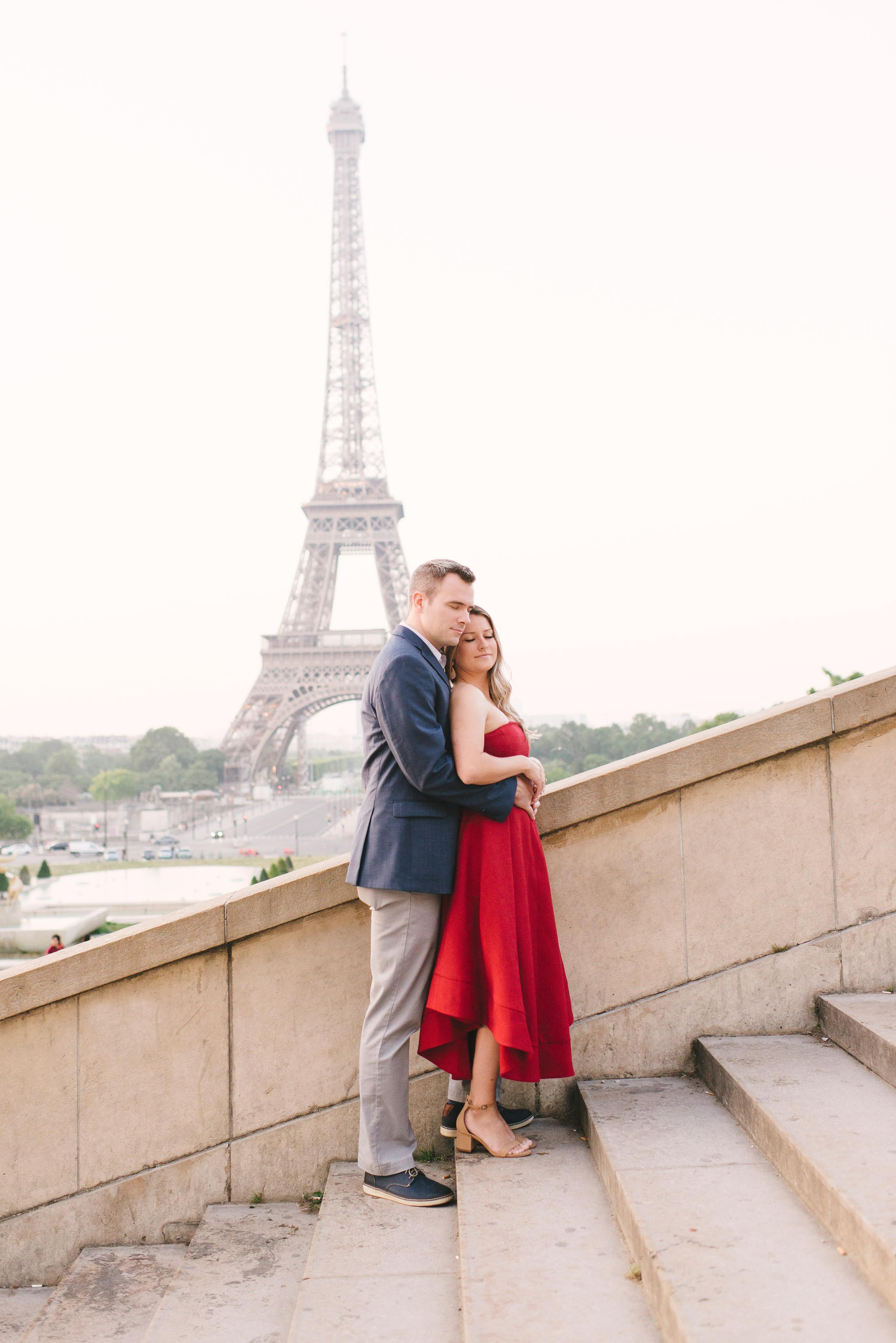 Couple-portrait-session-Paris-EiffelTower-Seine-Cafe007.jpg