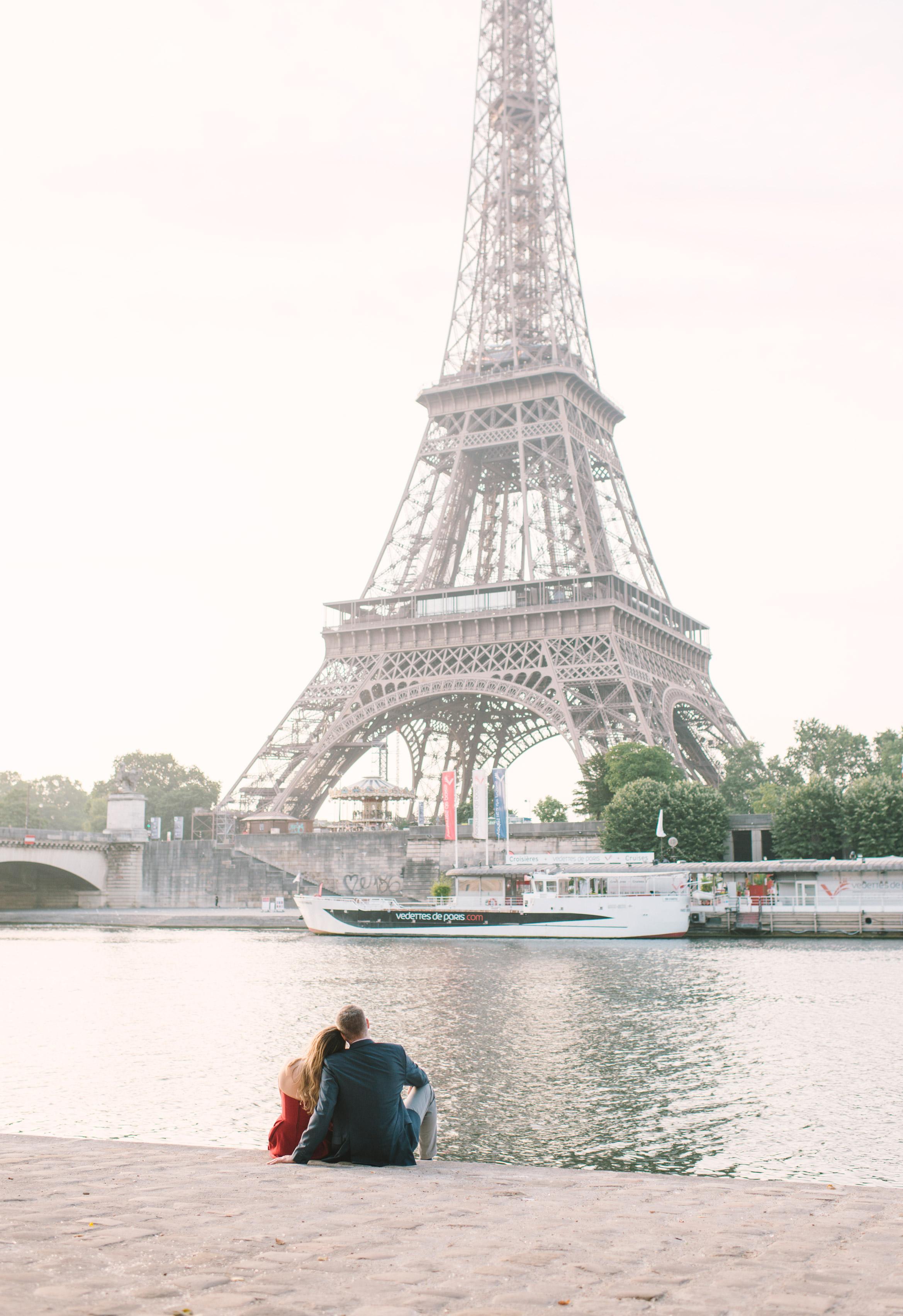 Couple-portrait-session-Paris-EiffelTower-Seine-Cafe064.jpg