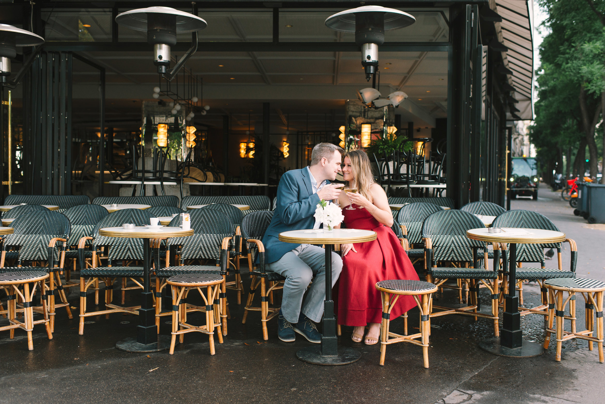 Couple-portrait-session-Paris-EiffelTower-Seine-Cafe128.jpg