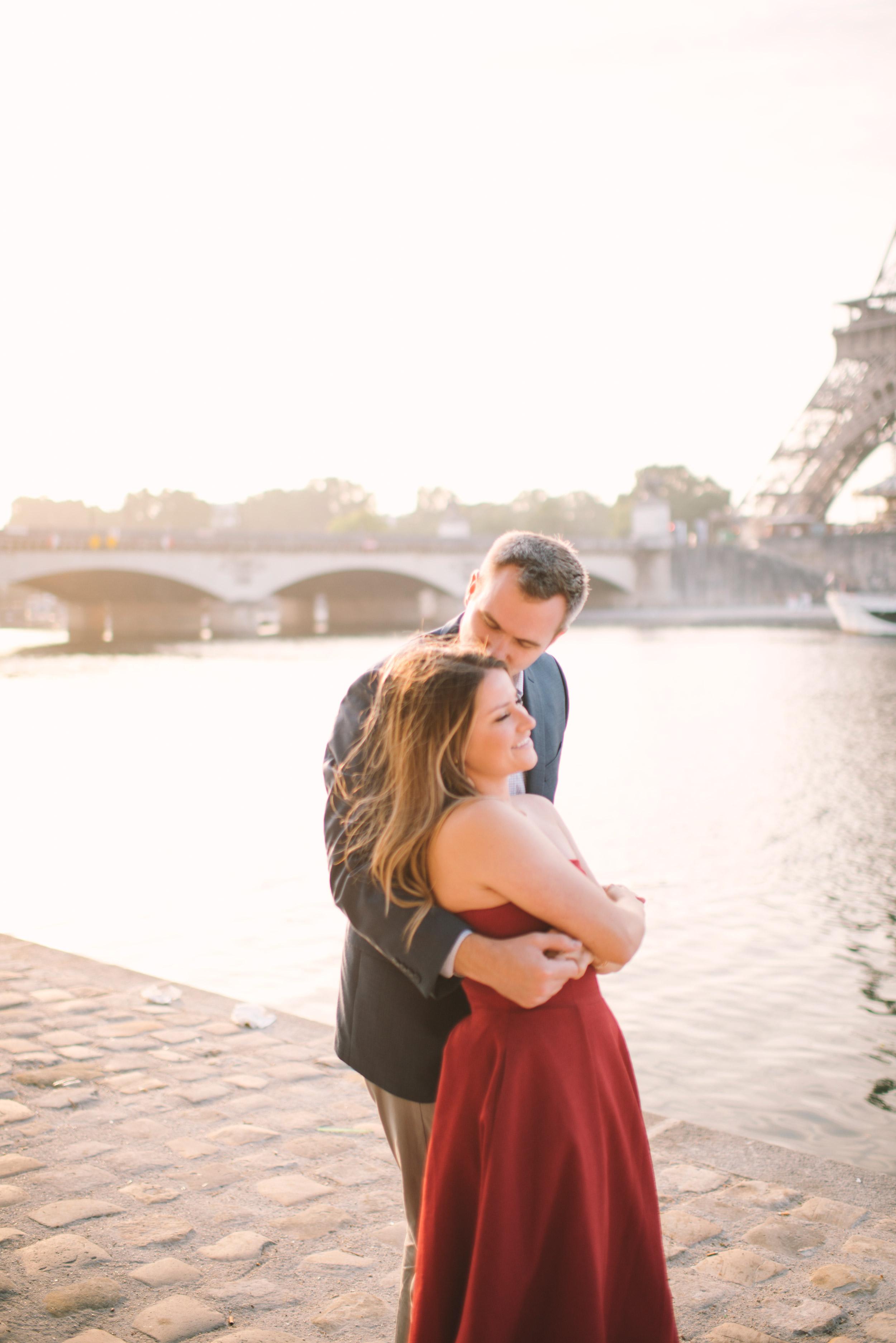 Couple-portrait-session-Paris-EiffelTower-Seine-Cafe088.jpg