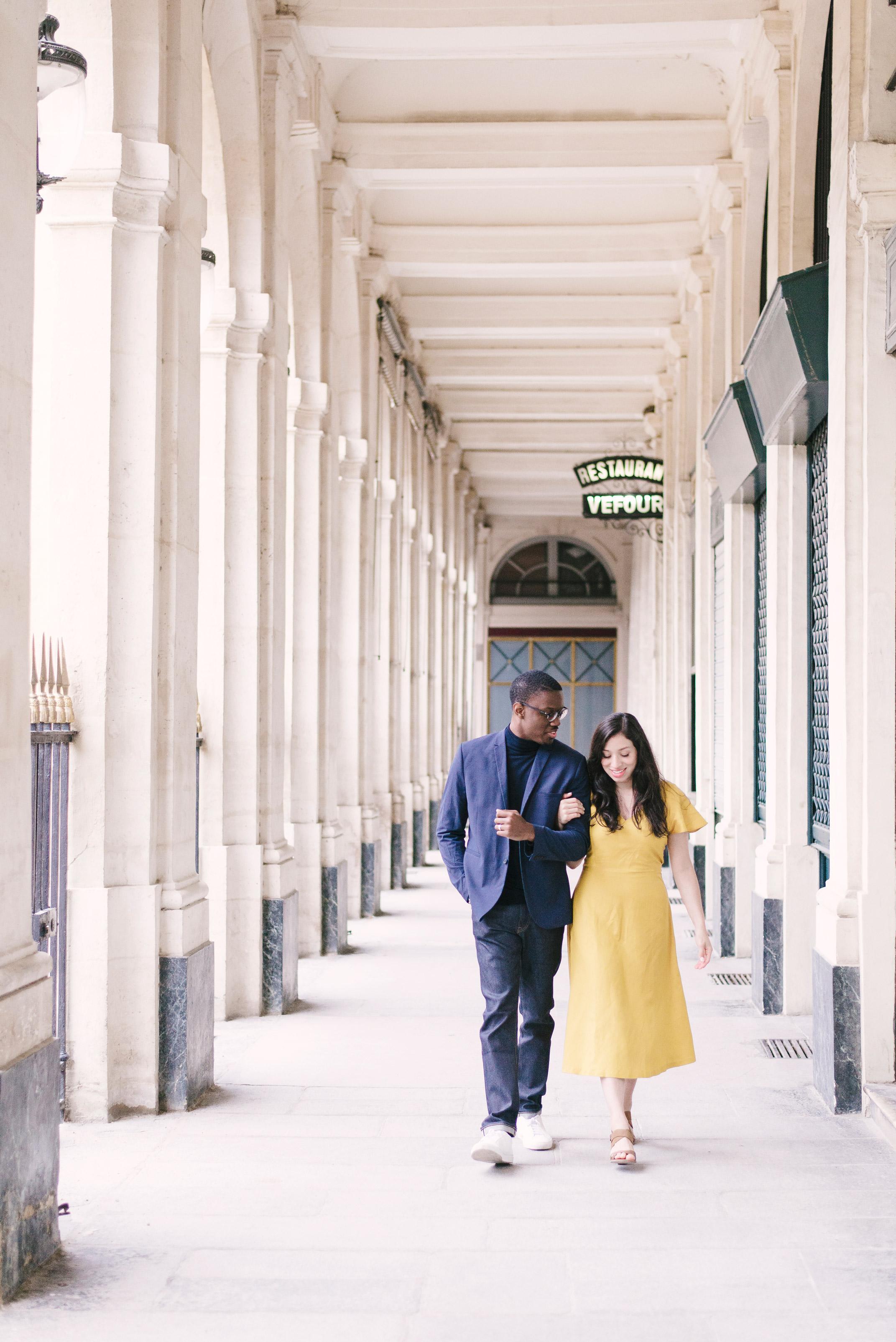 Couple-photoshoot-Paris-Pont-des-arts-Louvre-PalaisRoyale-045.jpg