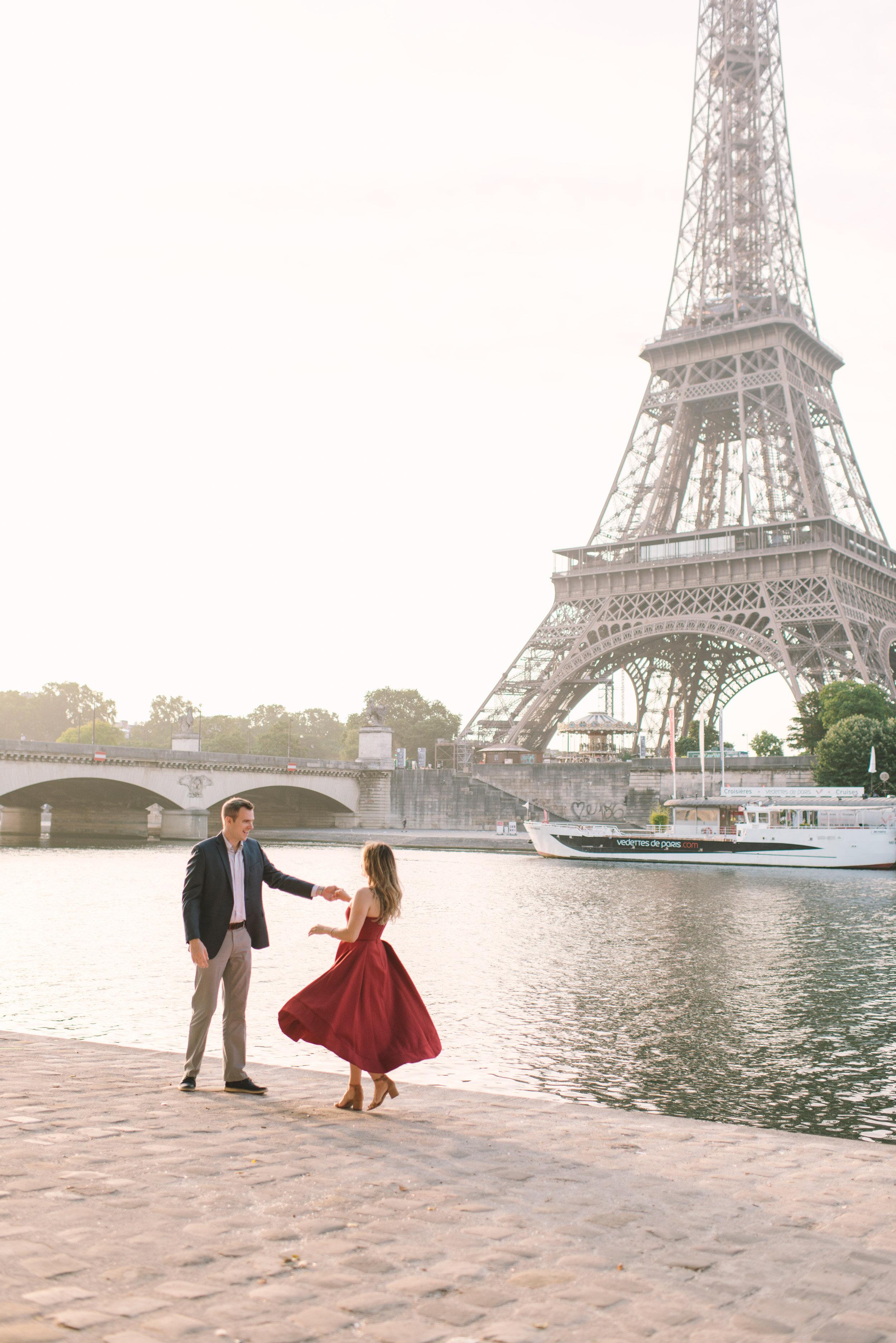 Couple-portrait-session-Paris-EiffelTower-Seine-Cafe082.jpg