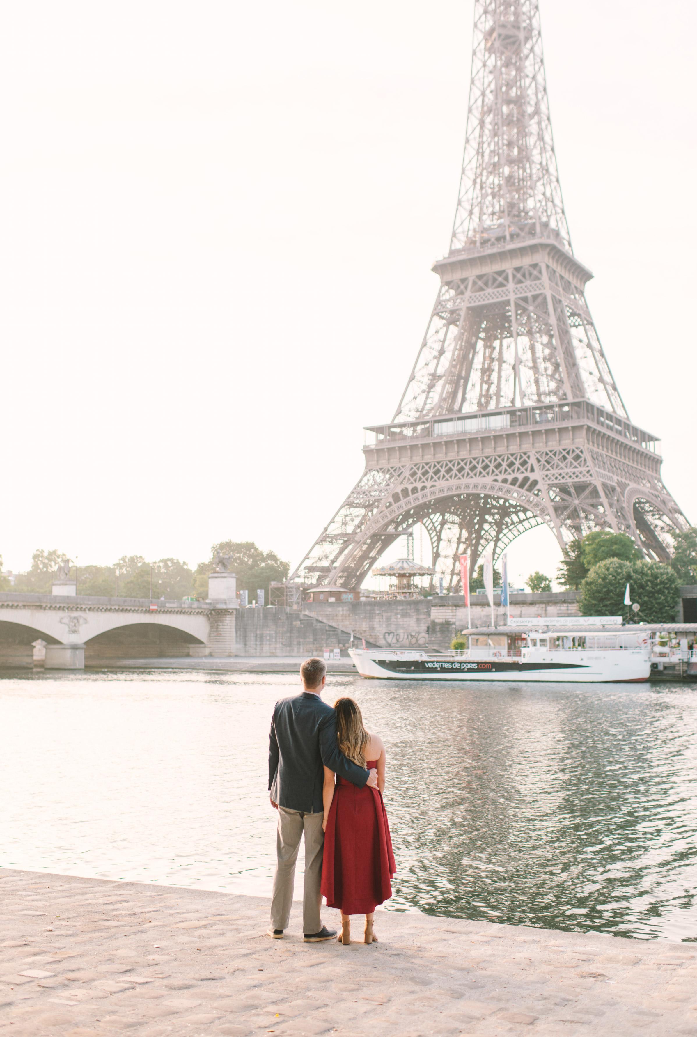 Couple-portrait-session-Paris-EiffelTower-Seine-Cafe072.jpg