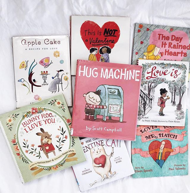 My favorite Valentines Day picture books on the blog! And who else loves Hug Machine? I love it SO much. #linkinprofile • • • • • • #bookish #readingisfun #readallthebooks #readeveryday #read #library #bibliophile #kidlit #raisingreaders #kidsbookswelove #readeveryday #kidsbooksofinstagram #kidlitfeature #kidswhoread #childrensbooks  #kidlitart #picturebooks #becauseofreading #picturebook #kidsbook #kidsbooks #readtome #bookworm #mustread #booklists #alwaysreading #fortheloveofreading #booknerdigans #bookobsessed