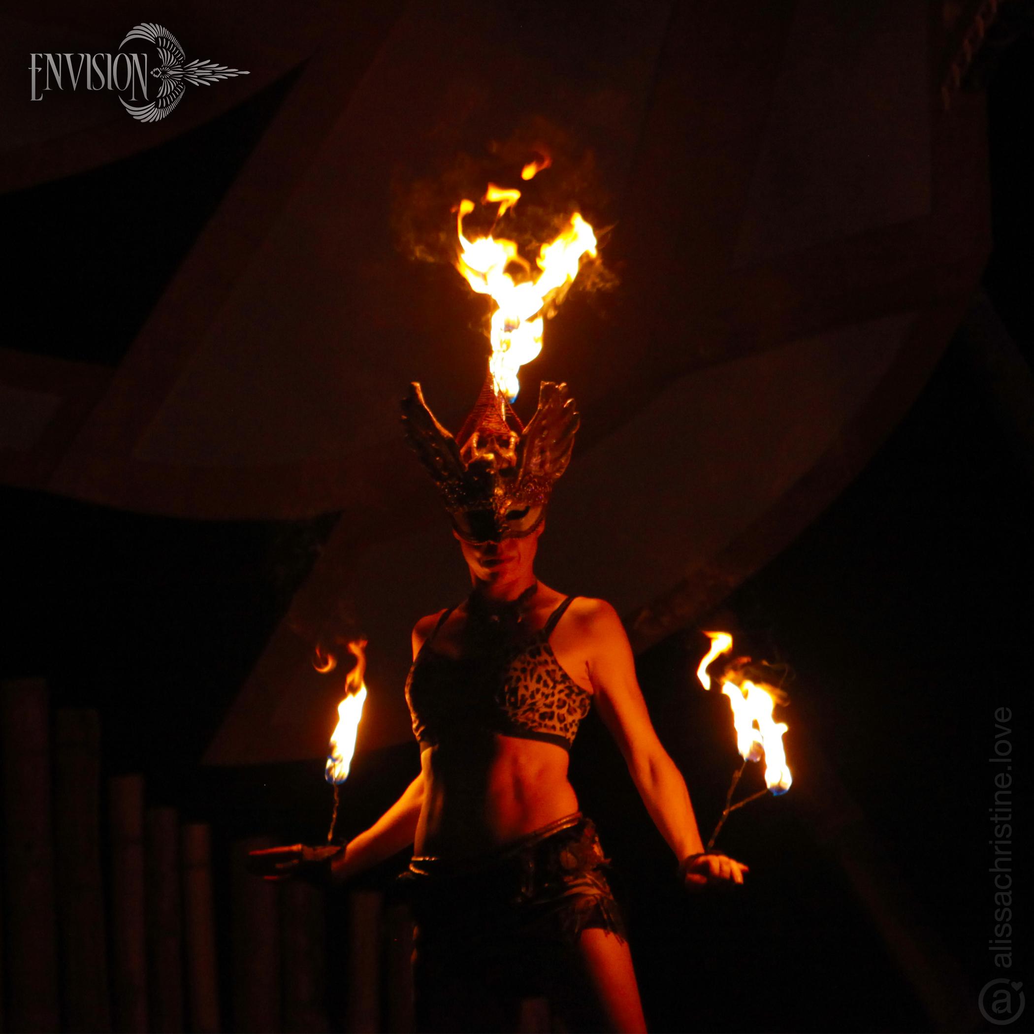 alissaChristine-ef-luna-clozee-dancing-02-25-17-8008-lo.jpg