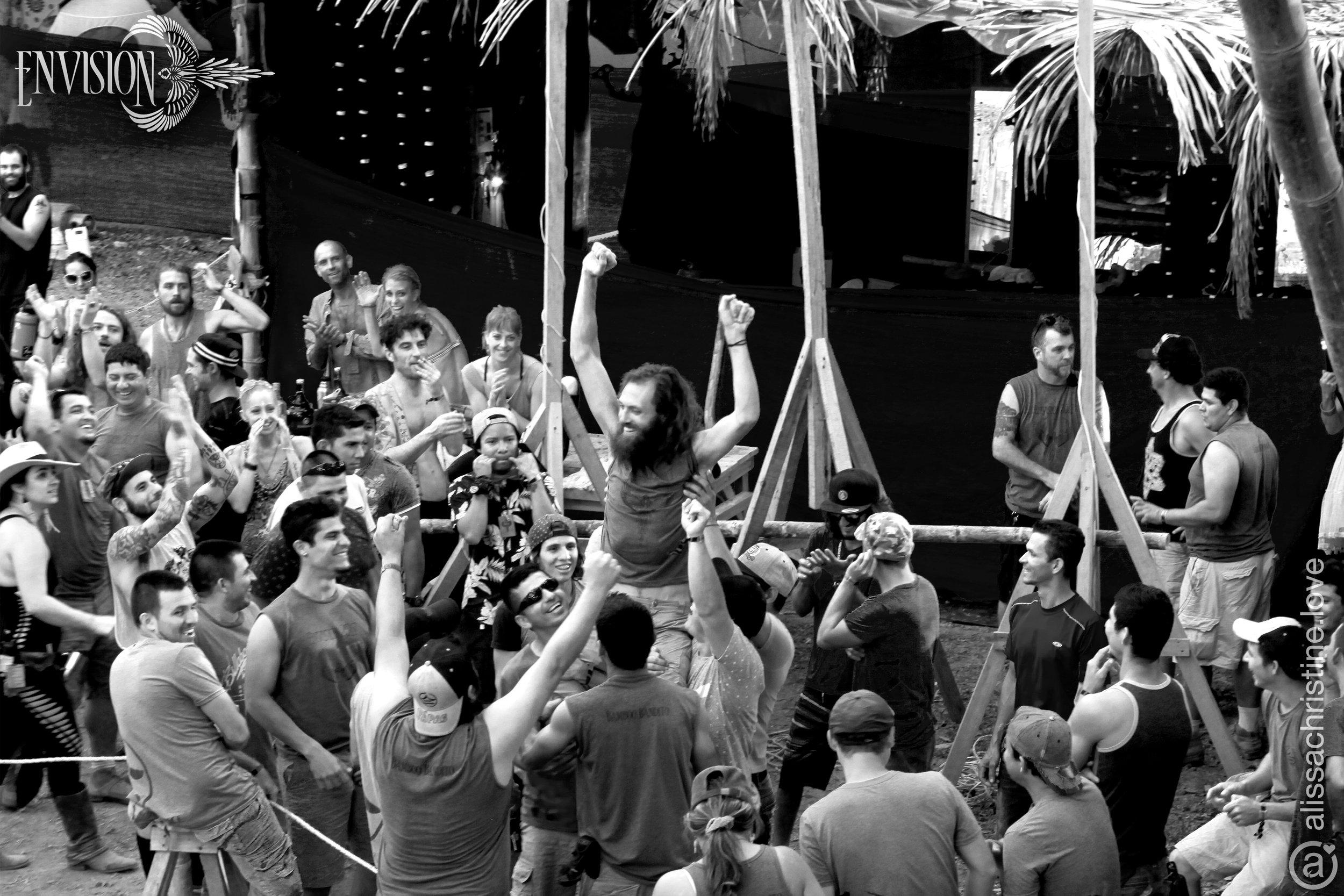 alissaChristine-ef-crowd-crew-2017-8234-lo.jpg