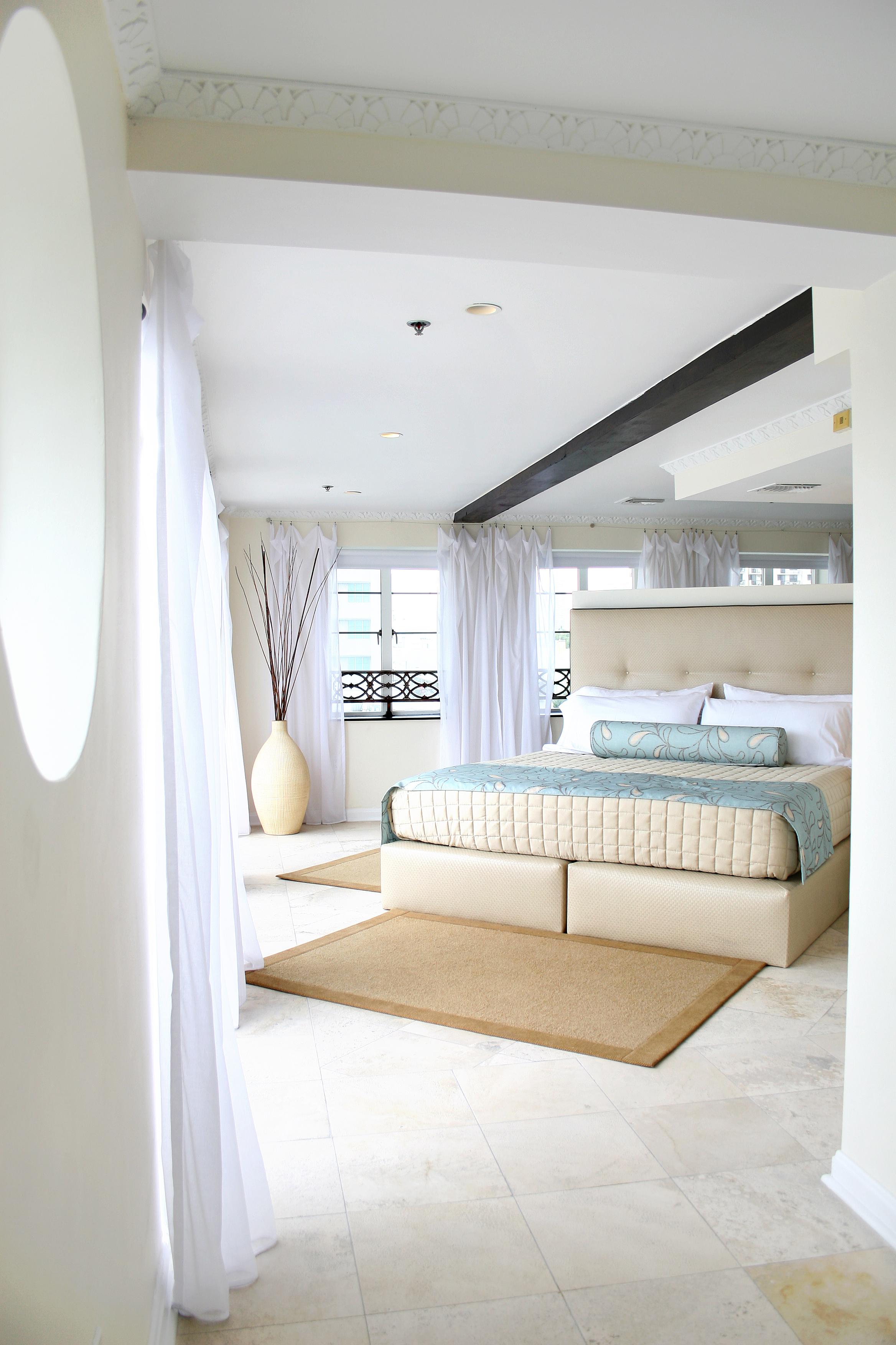 7700-hotelOcean.JPG