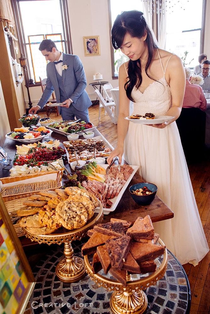 01-casual-wedding-buffet-catering.jpg