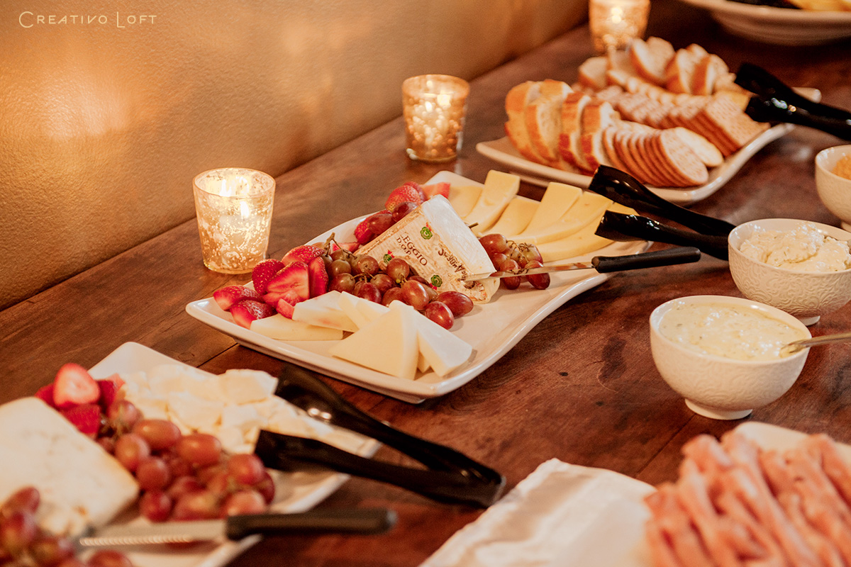 13-Creativo-elopement-package-catering-ChRo.jpg