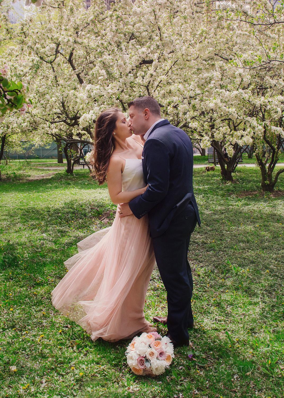 04-HollyBill-spring-elopement-Chicago.jpg