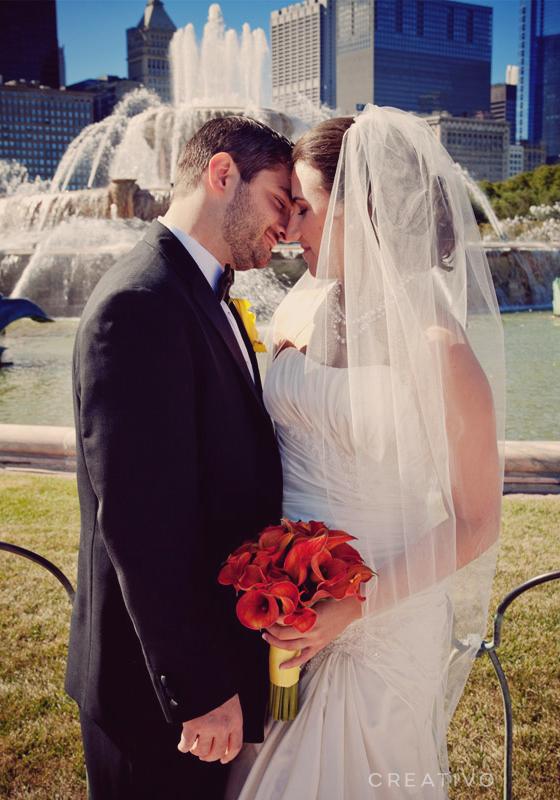 4. Elopement at a Chicago landmark, Buckingham Fountain