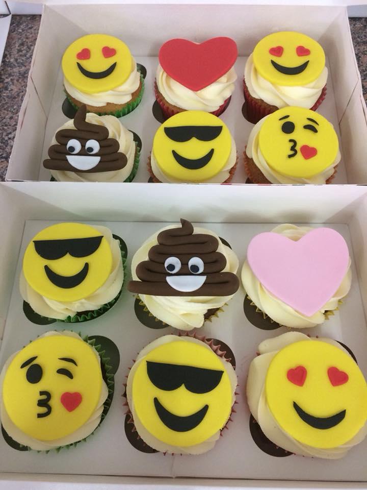 emojicupcakes.jpg