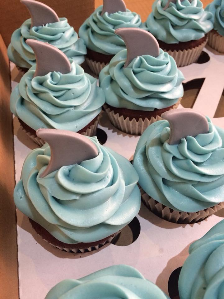 sharkcupcakes.jpg