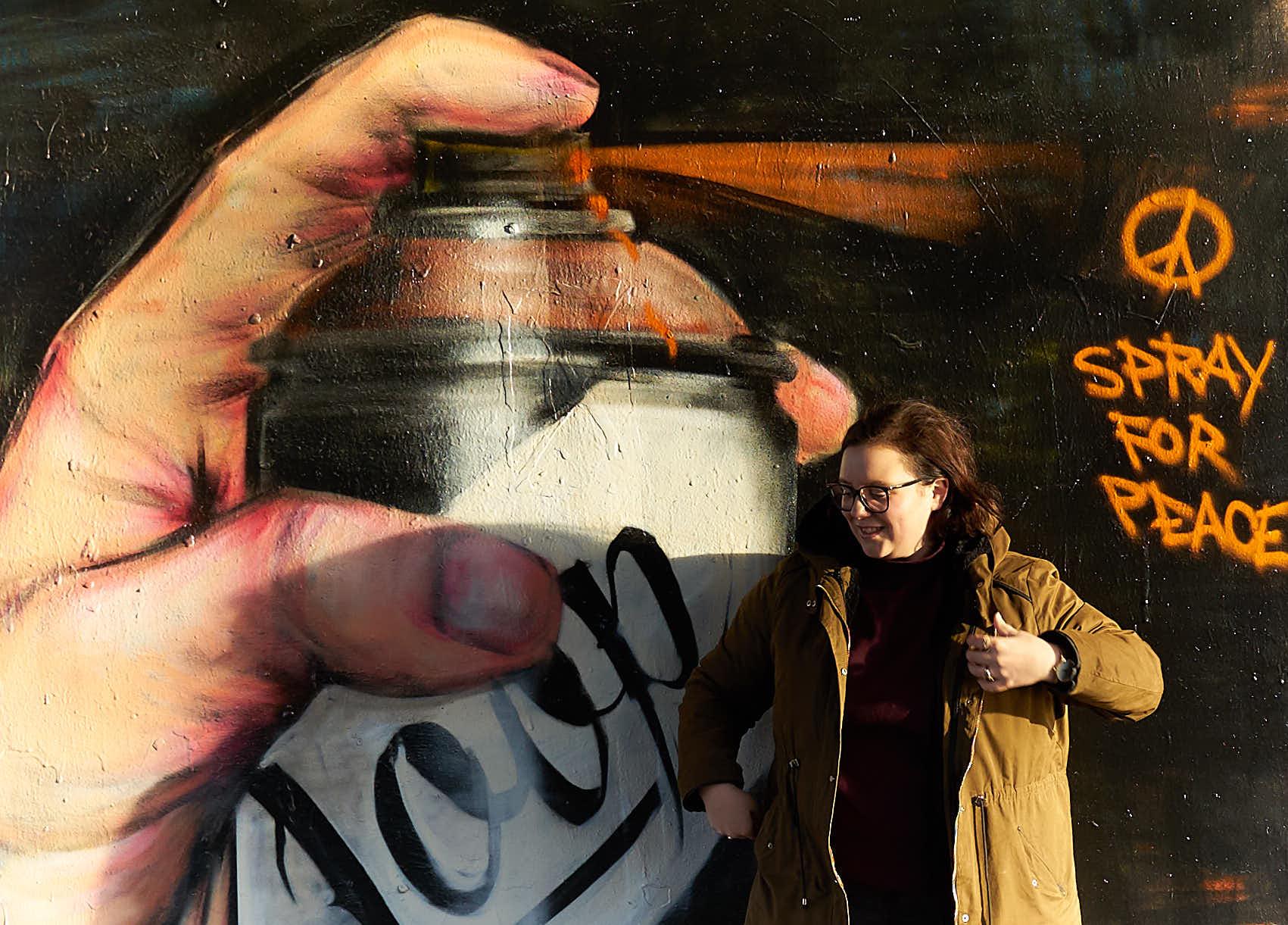 Streetart_Spray-for-peace_London_Shoreditch_me_kom.jpg