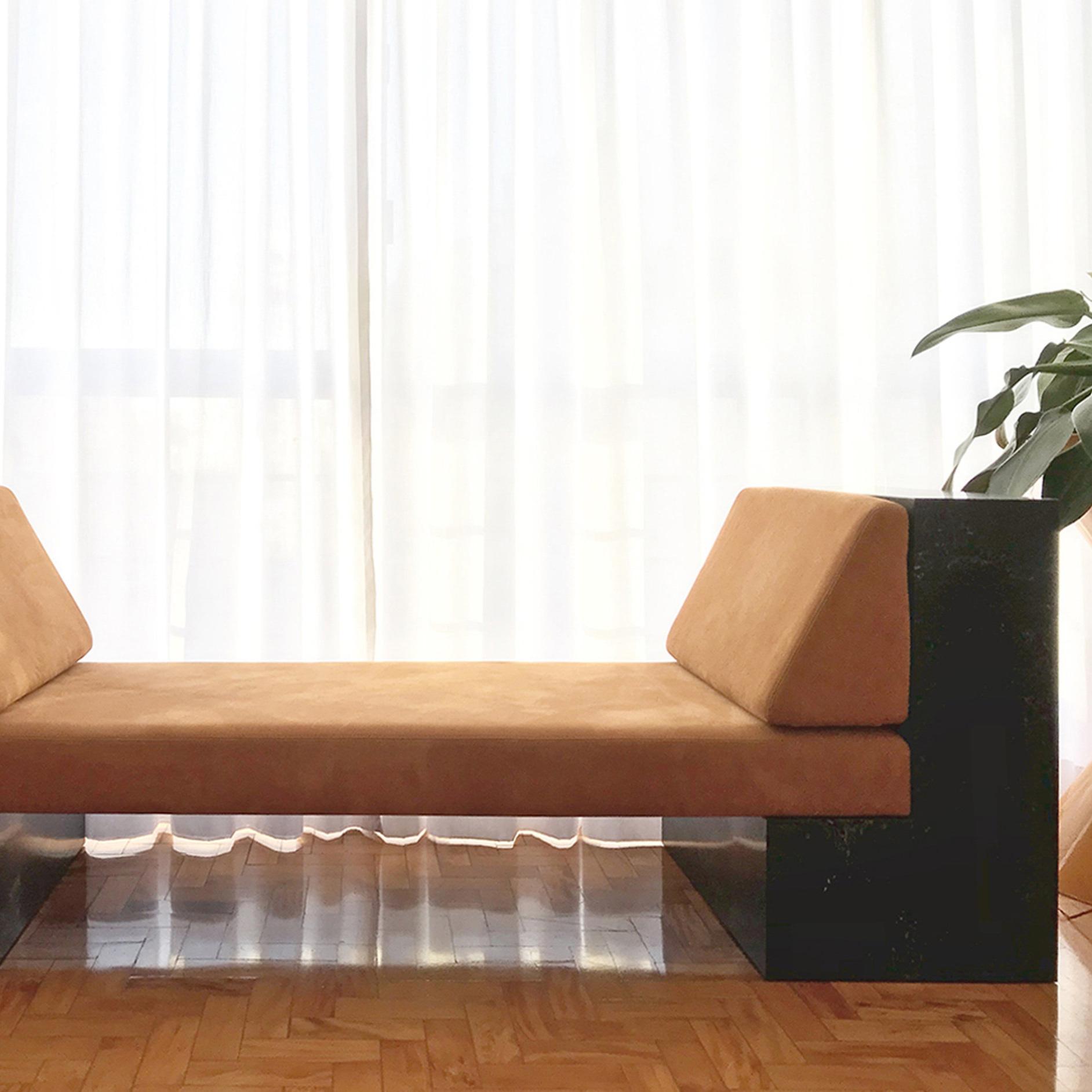 ini | seating -