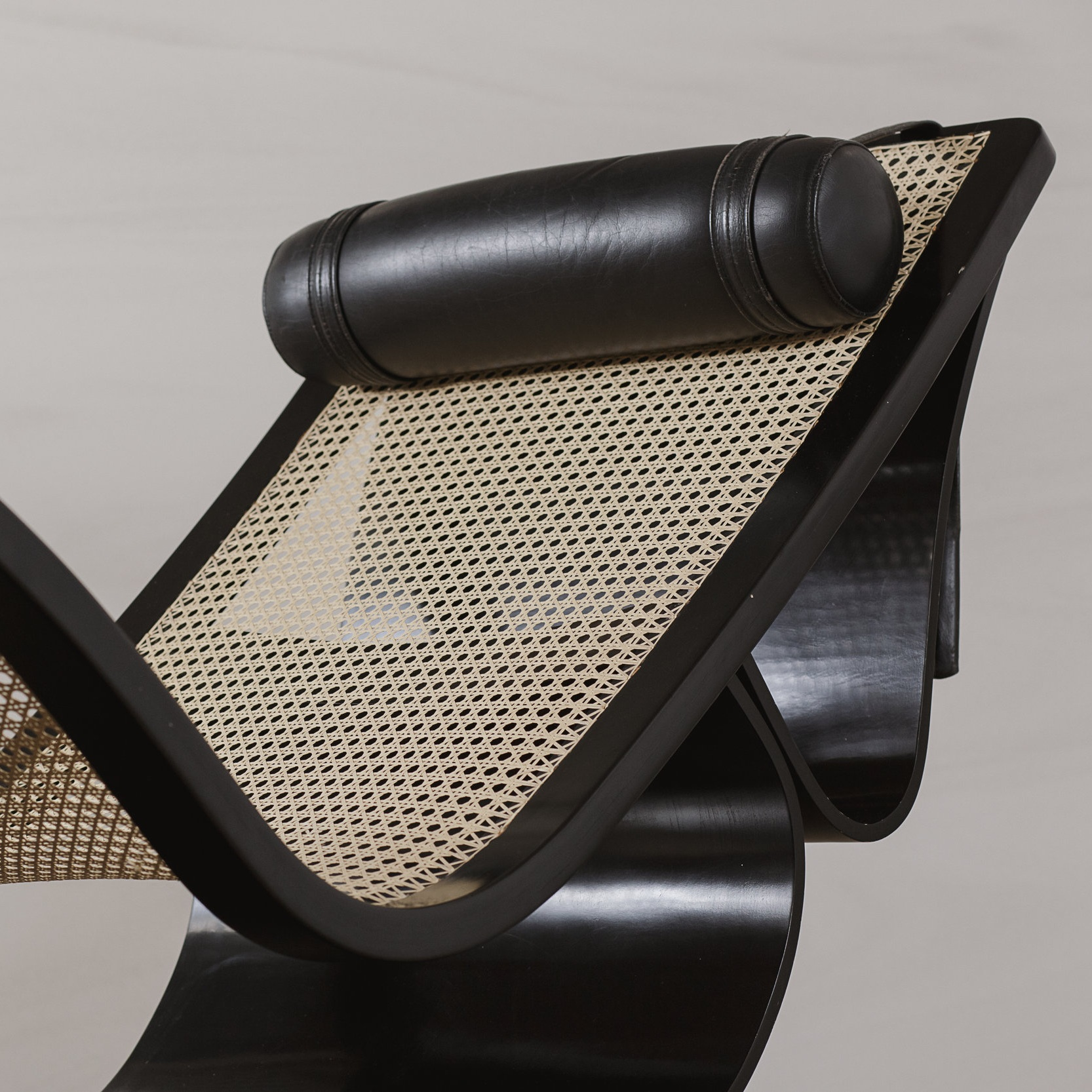 rio chaise   seating -