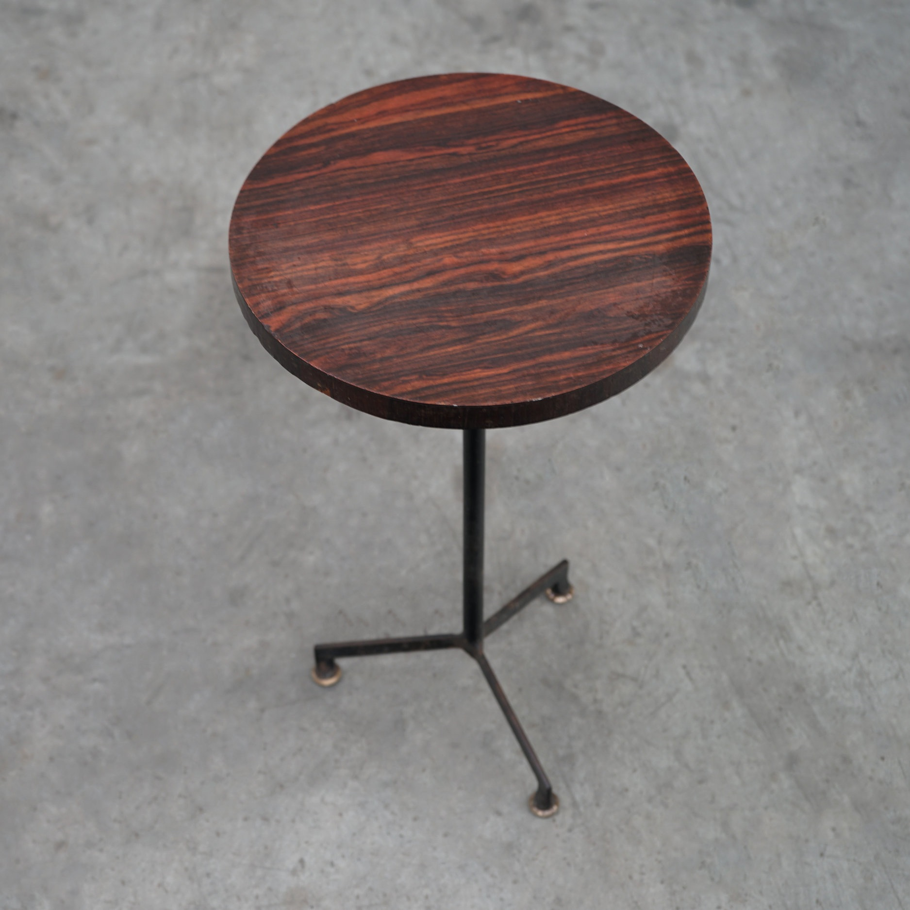round side table | tables -