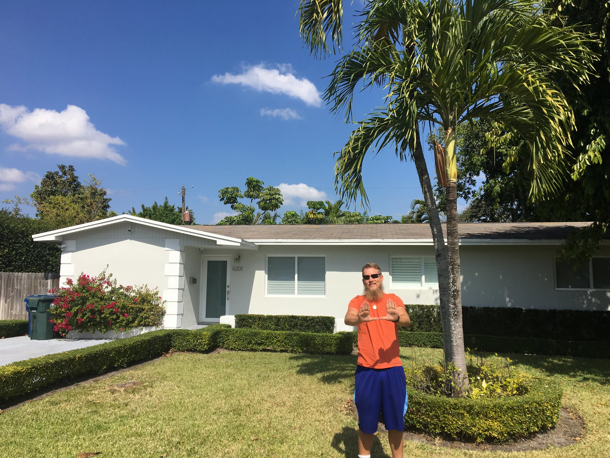 Dylan's first off campus house... which as since been cleaned up :)