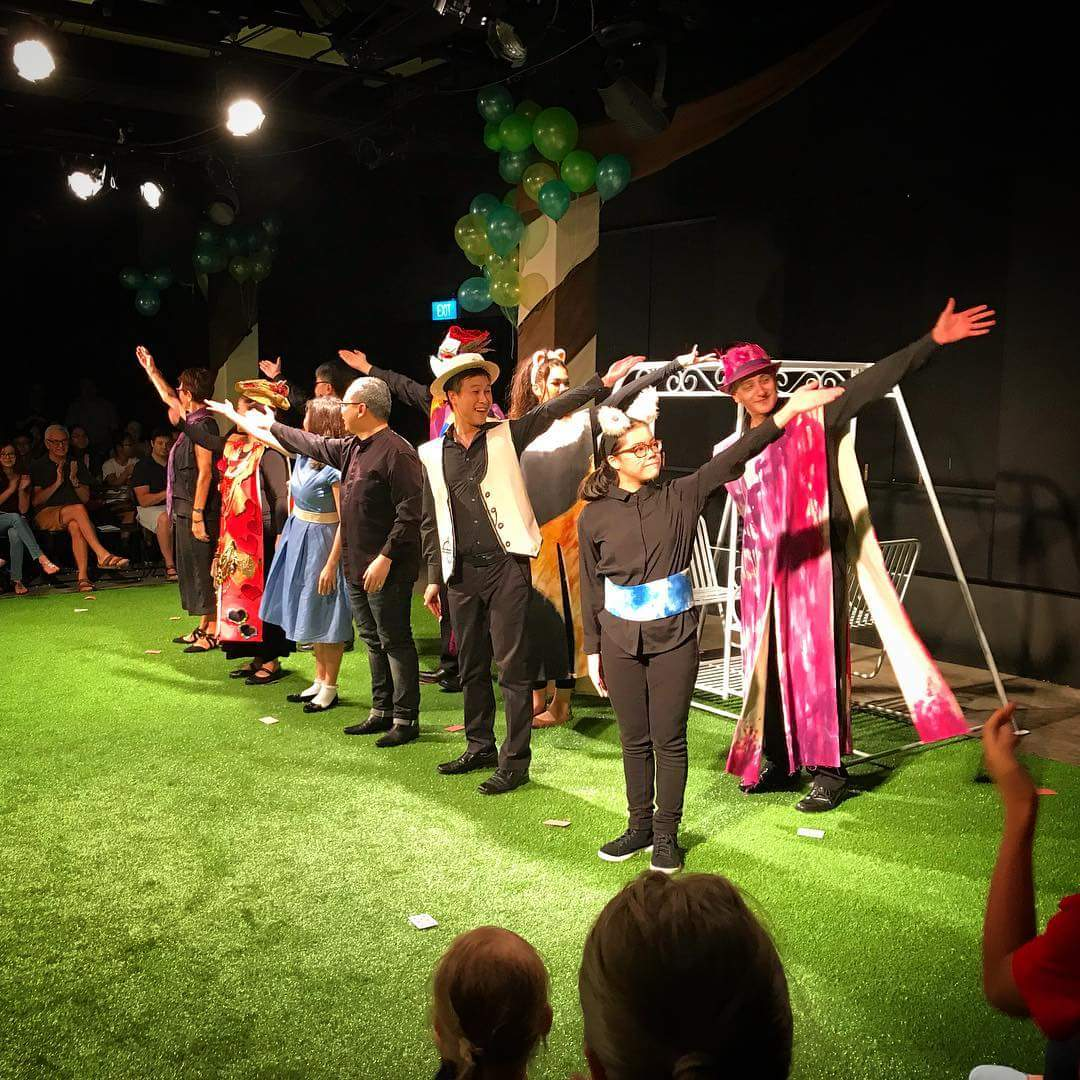 Curtain call of Alice in Wonderland (Chauls)