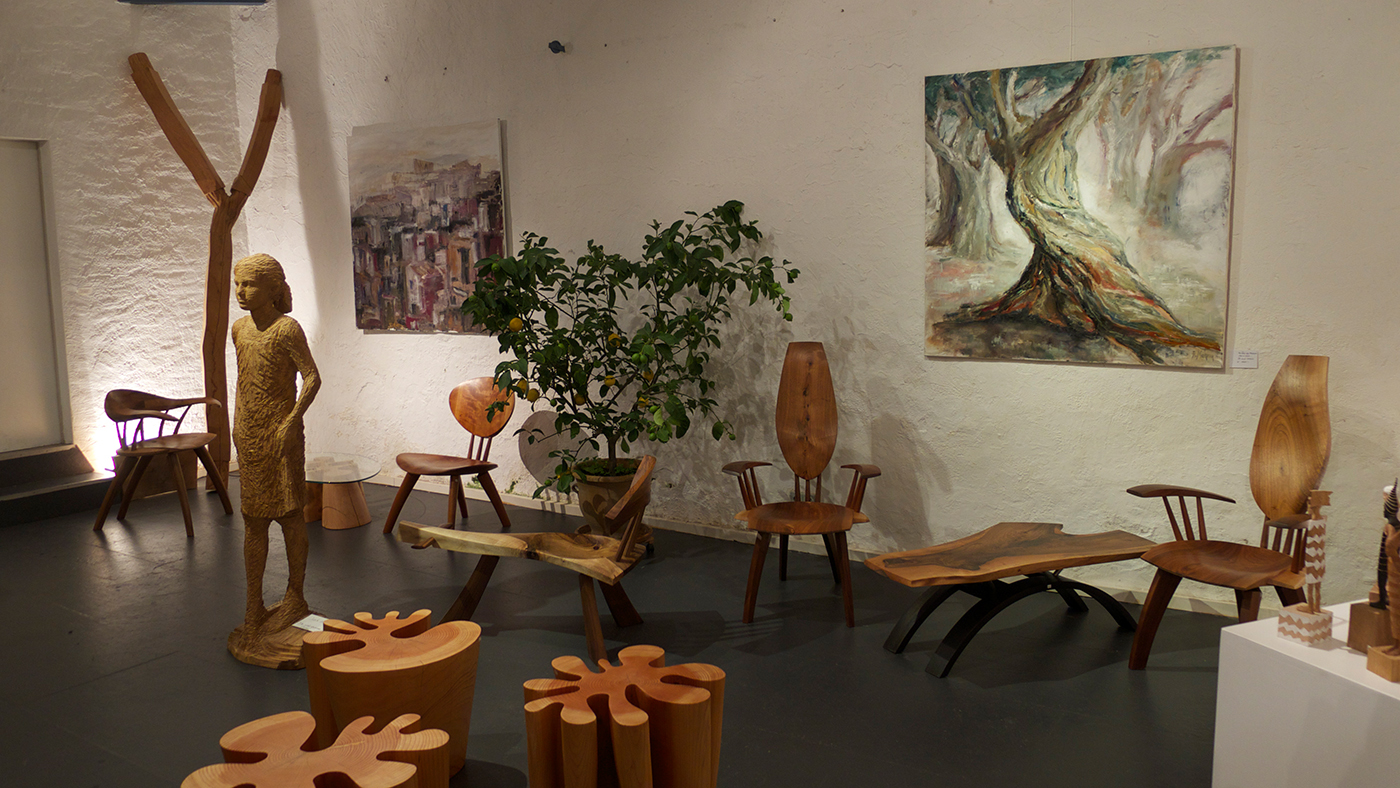 Öl Bilder Akela Möhren, Skulptur Jozek Nowak, kleine Skulpturen Marcin Rzasa