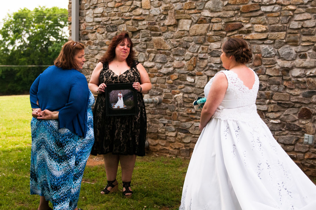 Ashley's aunt immediately cries as she sees her in her dress for the first time.