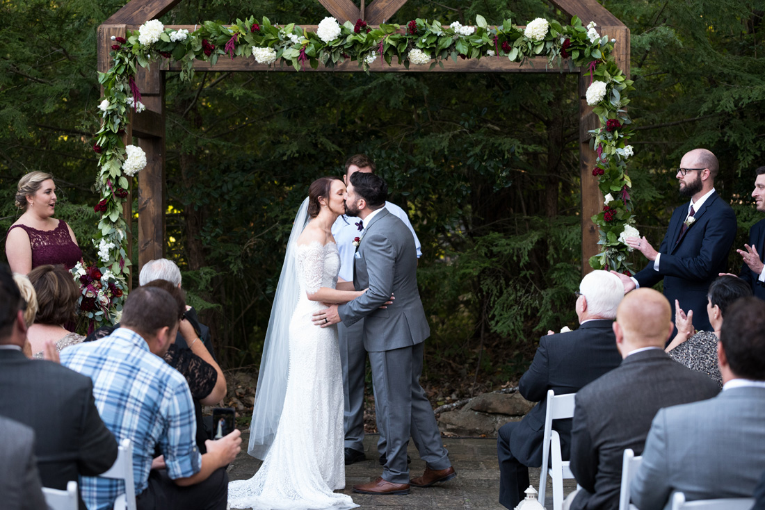 First kiss - THE moment of the day!