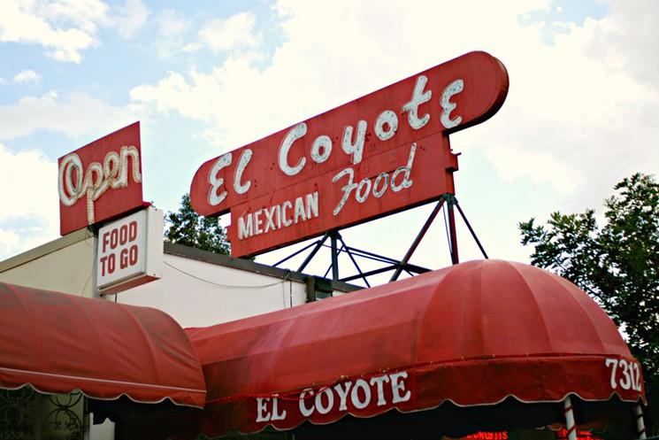 el-coyote-cafe-exterior-01e.jpg